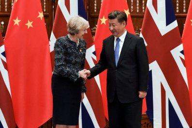 Theresa May and Xi Jinping