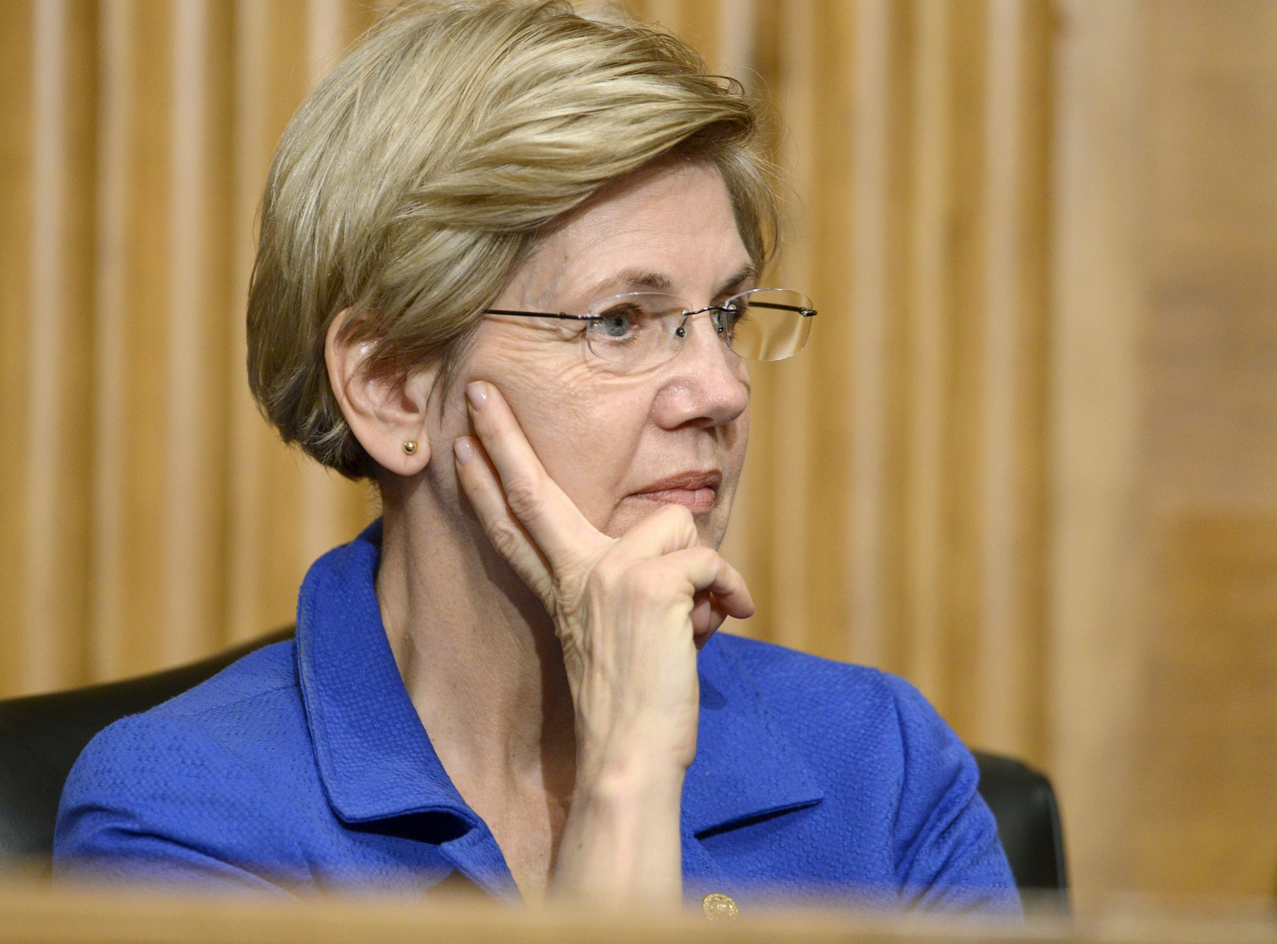 0208_Elizabeth_Warren_Senate_floor_01