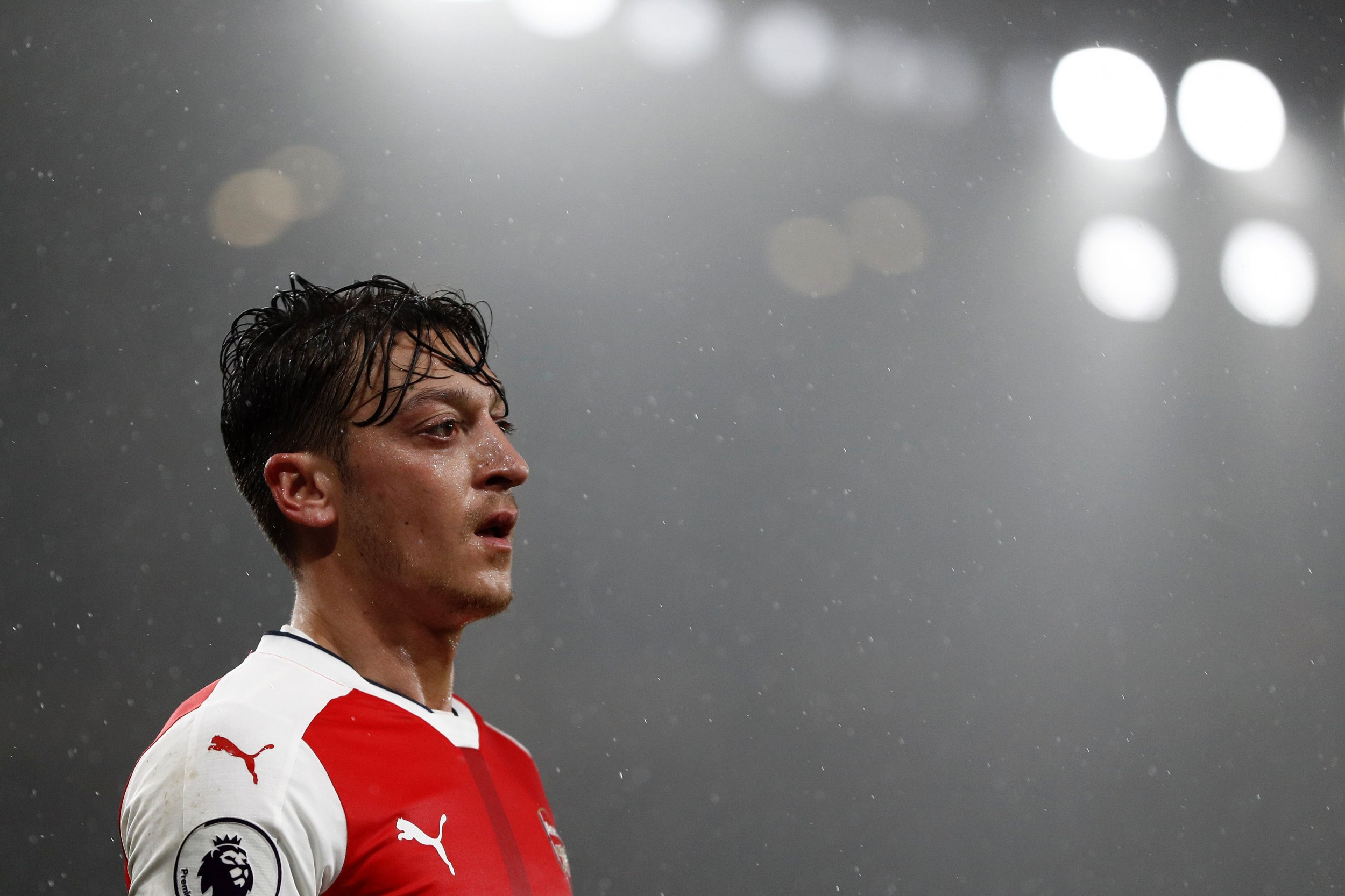 Mesut Ozil Urged to Leave Arsenal by Germany Icon Out to Lure Him Home