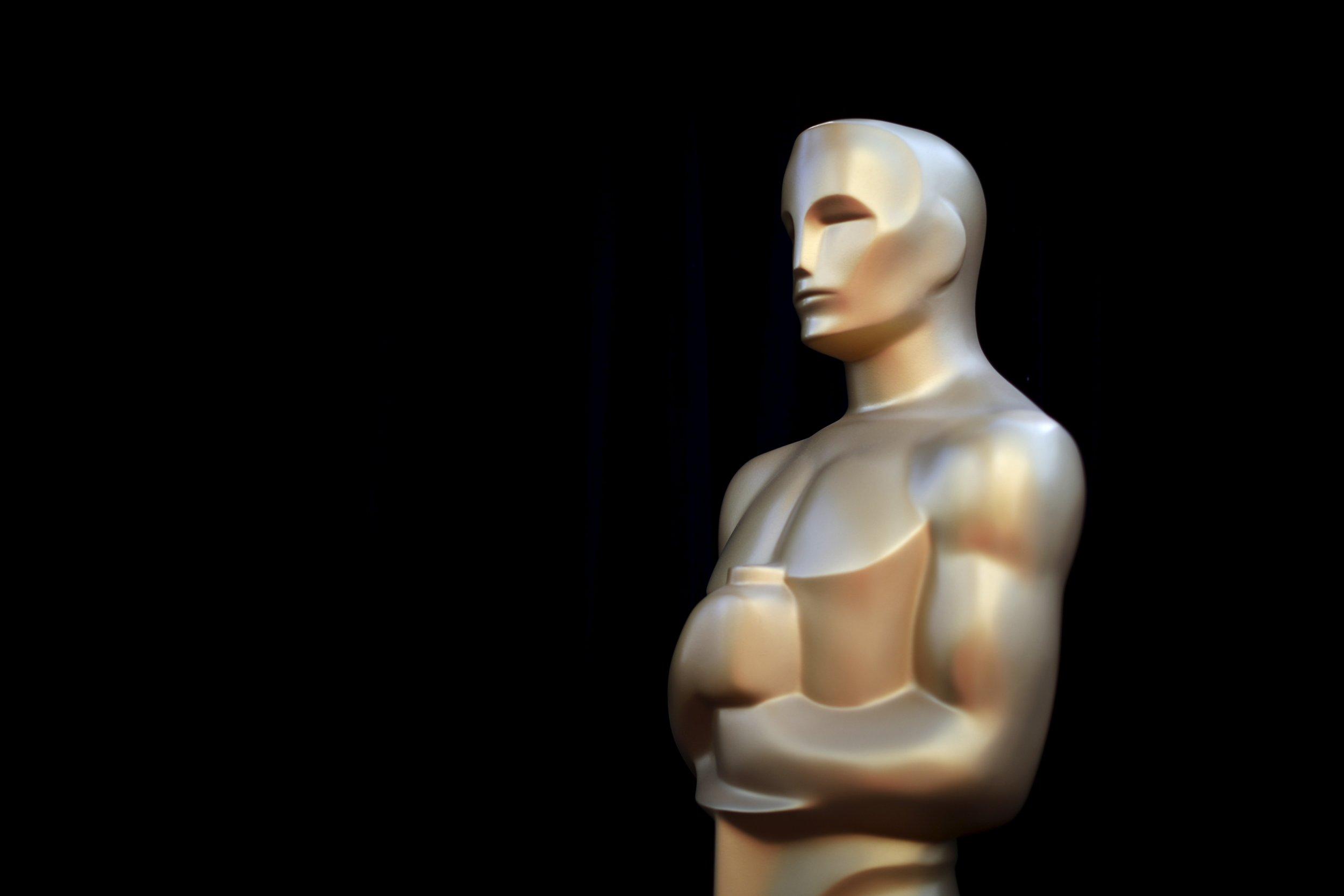 2-9-17 Oscar statue