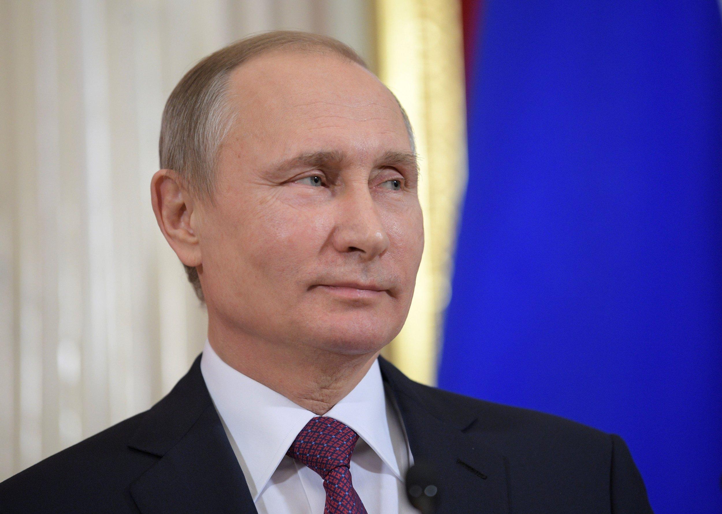 02_20_Trump_Russia_01