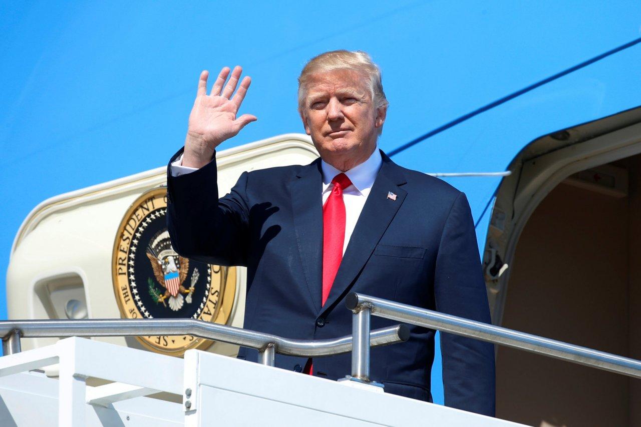 Donald Trump touring Boeing