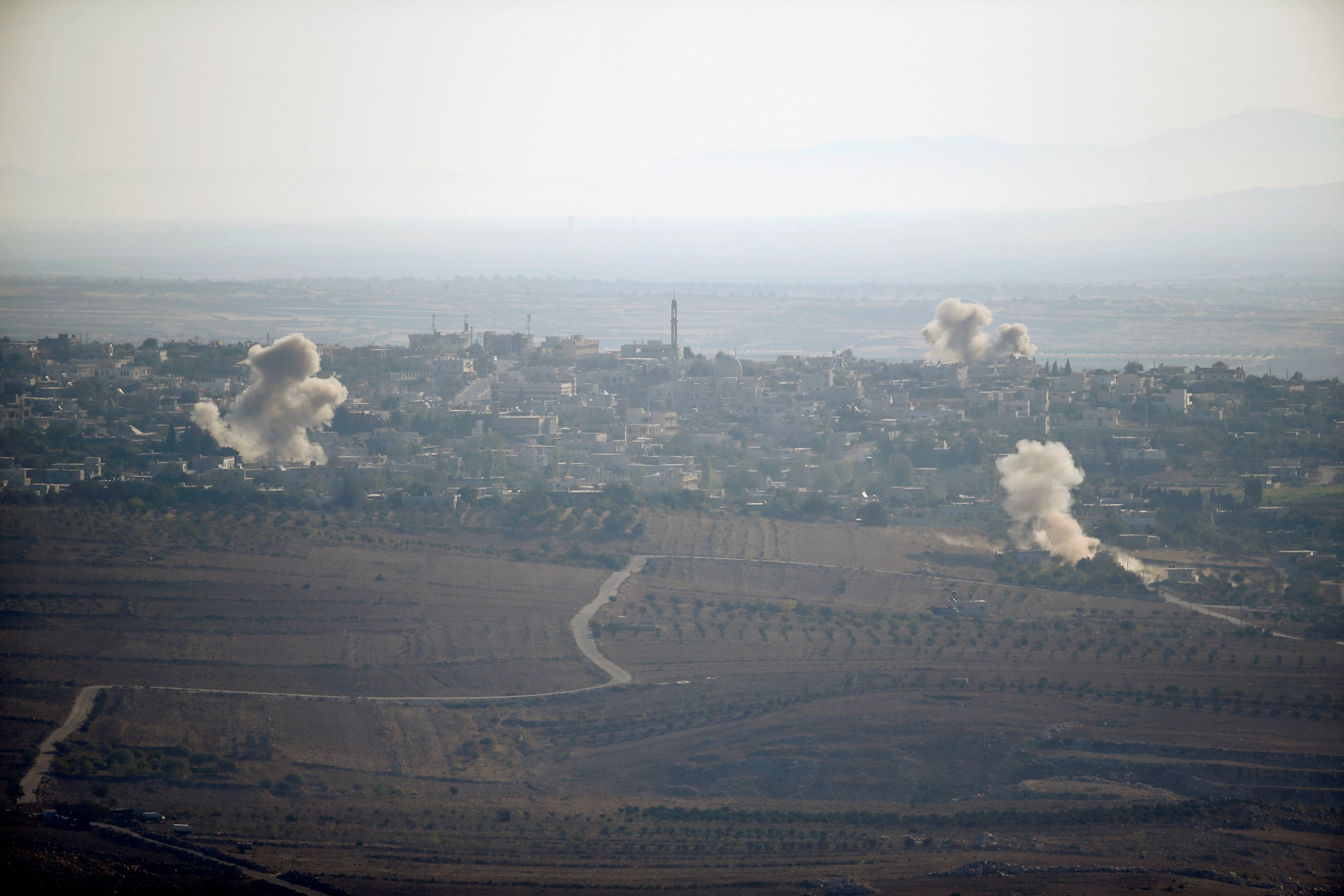 isis group expands in southern syria near israel border