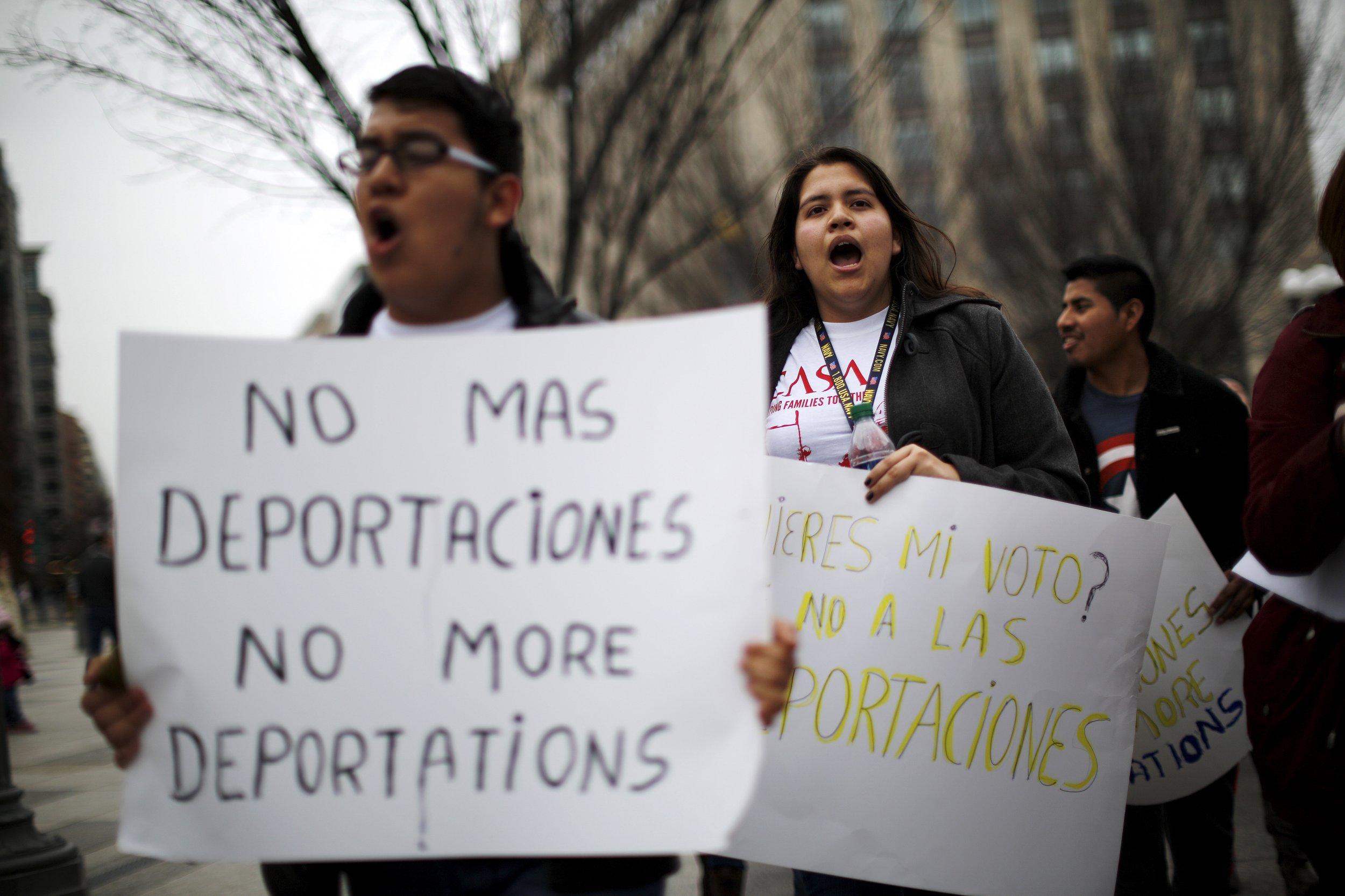 02_23_deportations_04