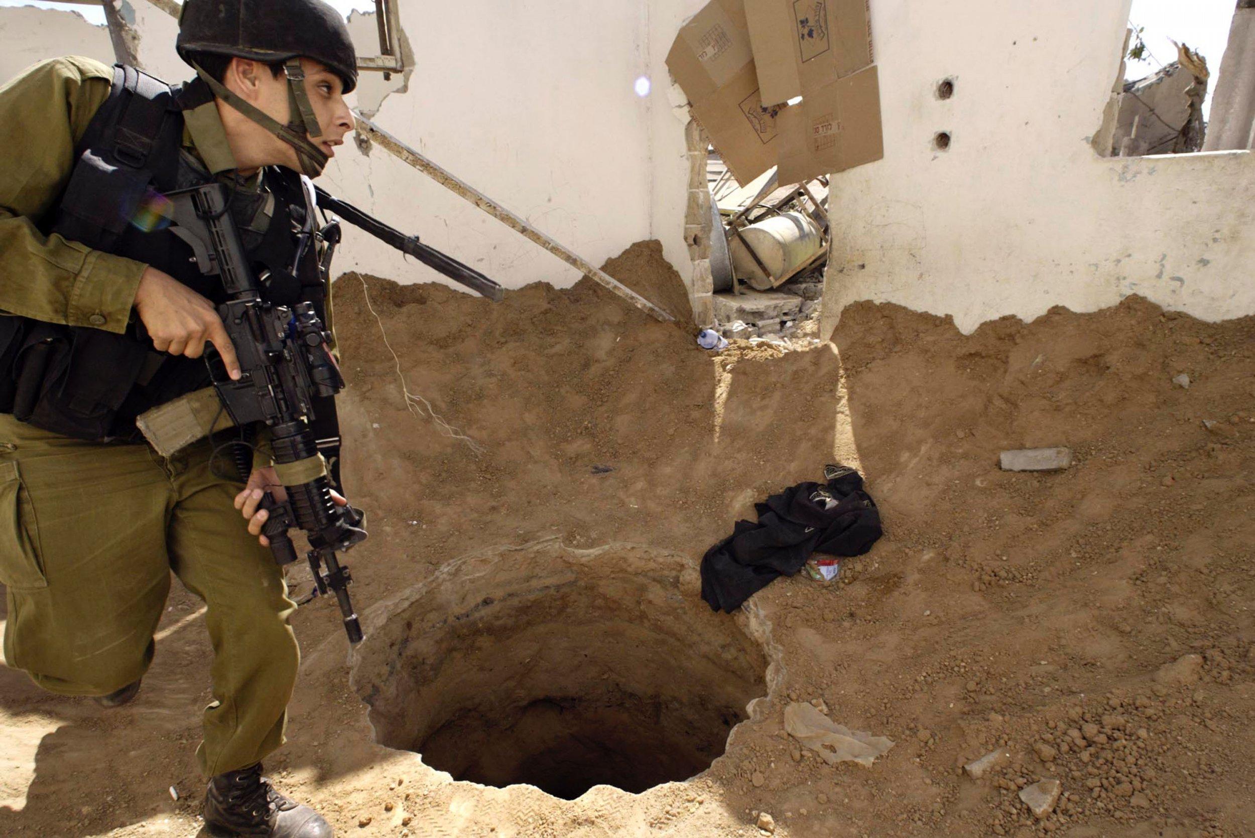 03_01_Hamas_Tunnel_01