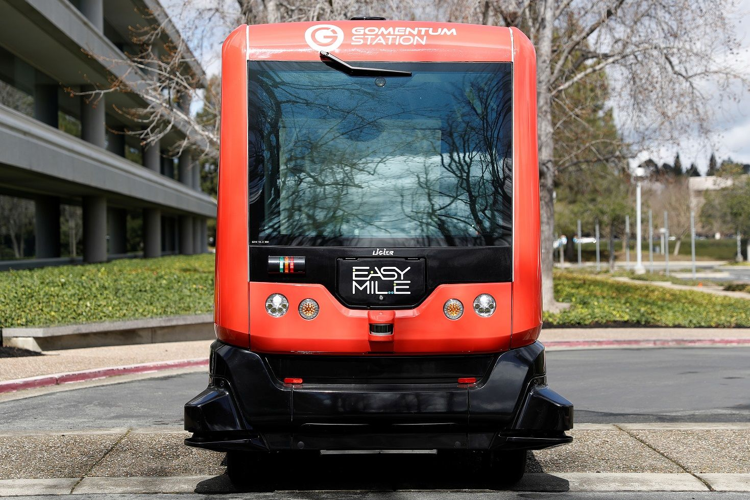 self-driving bus california easymile