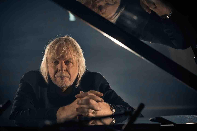 rick-wakeman-piano-portraits-photo-1_02