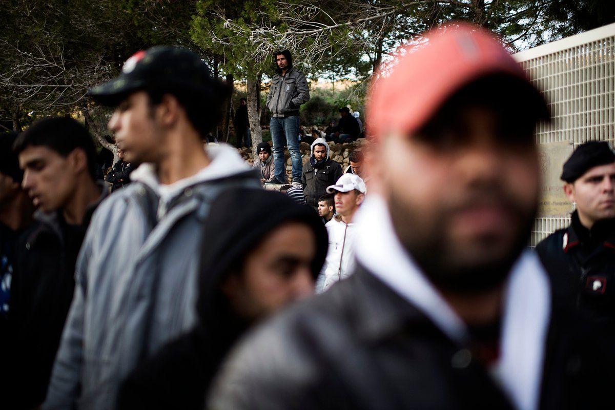 tunisia-immigrants-italy-OV03-hsmall