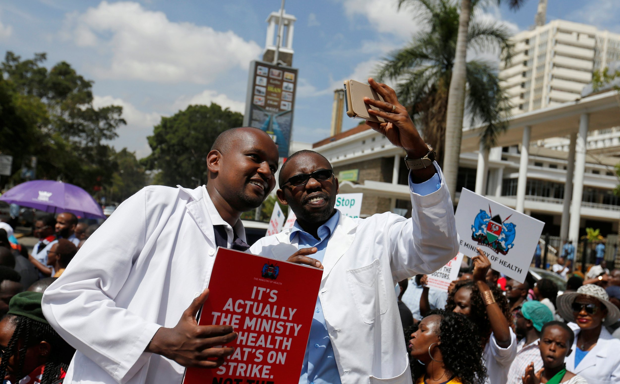 Kenyan President Warns Doctors 'Will be Replaced' Over Strike
