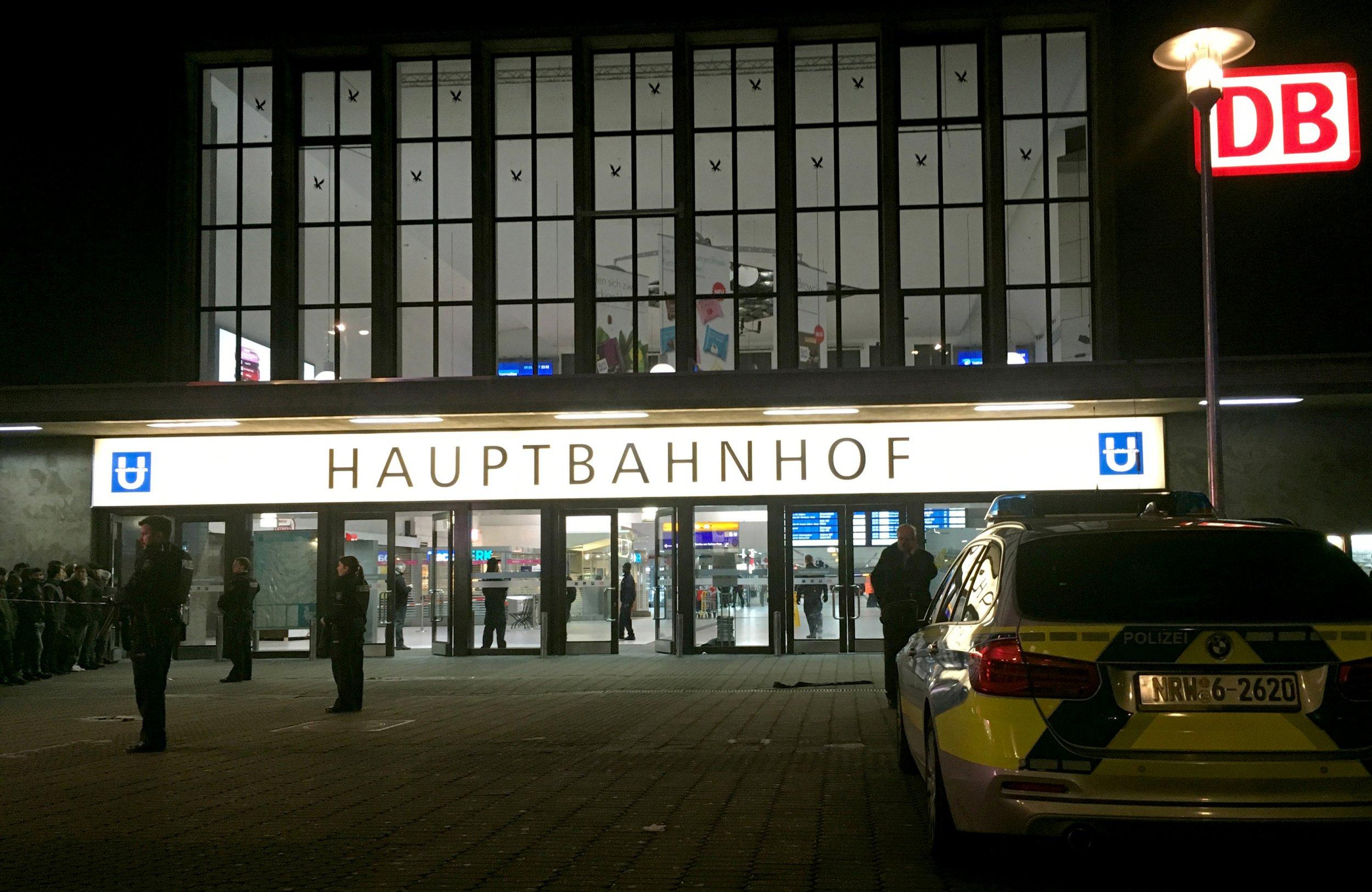 Dusseldorf station axe attack