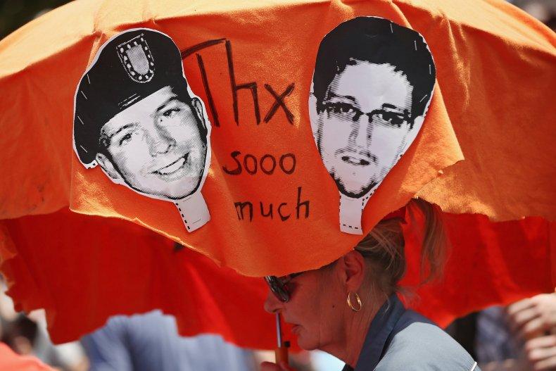 03_10_Manning_Snowden_01