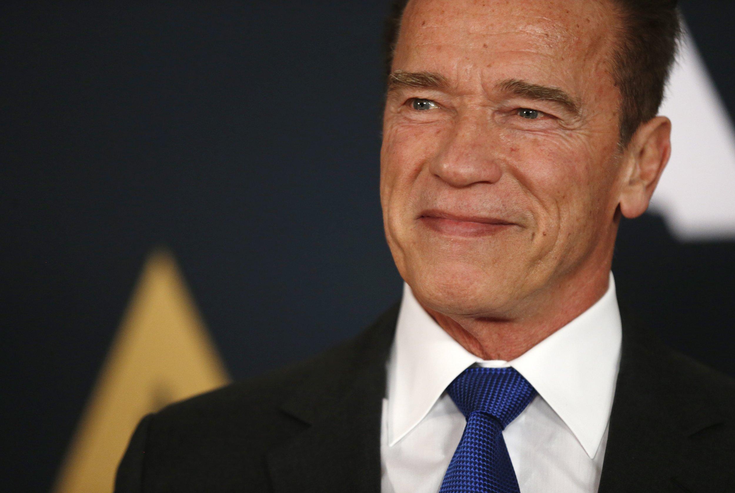 0310_Schwarzenegger_Senate_01