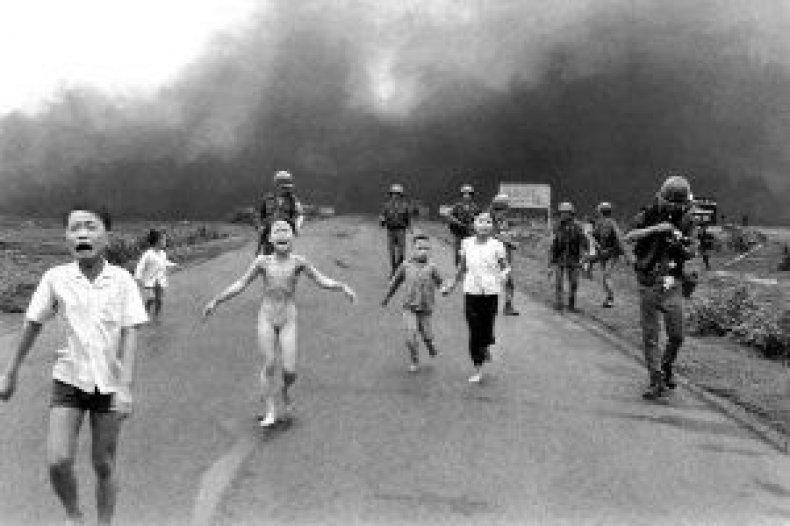 bombs-vietnam-napalm