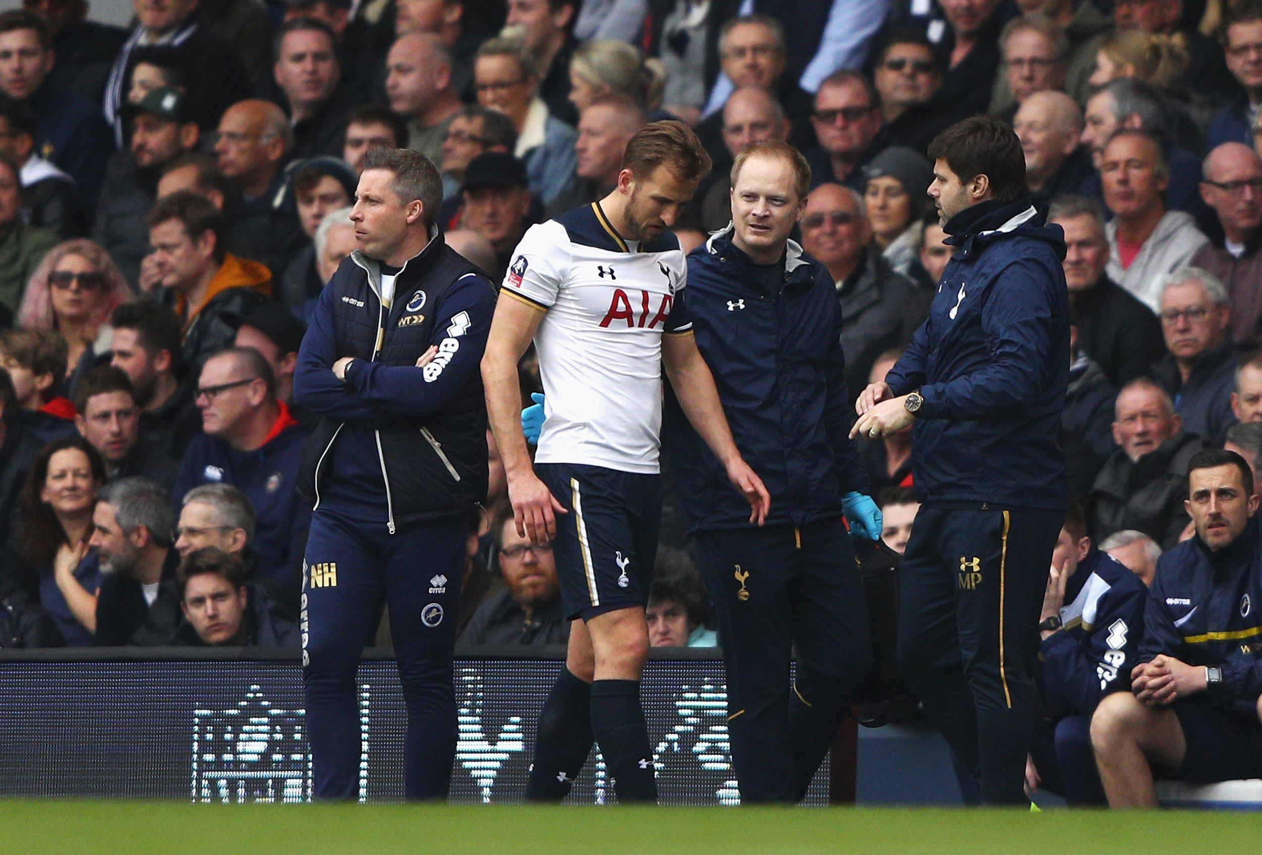 Tottenham Hotspur striker Harry Kane, center.