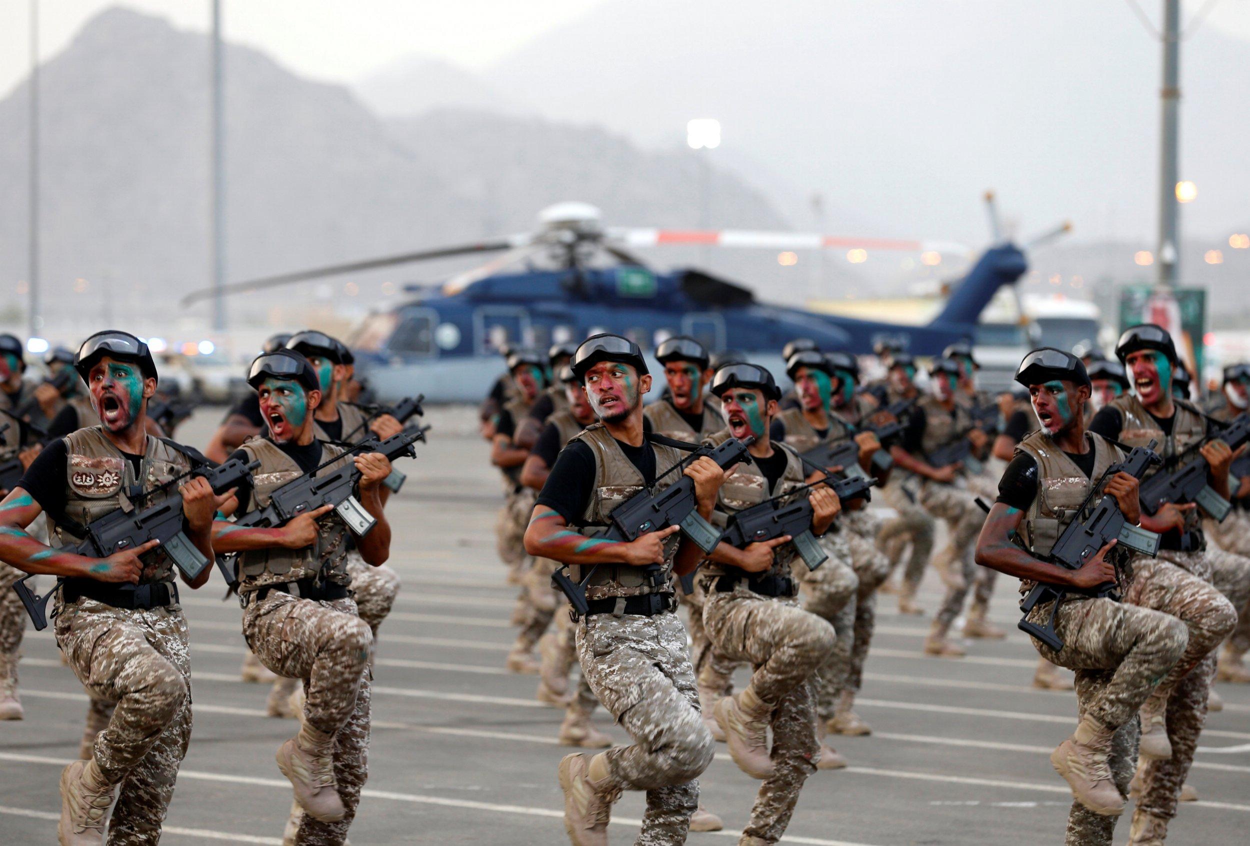 saudi arabia soldier ile ilgili görsel sonucu
