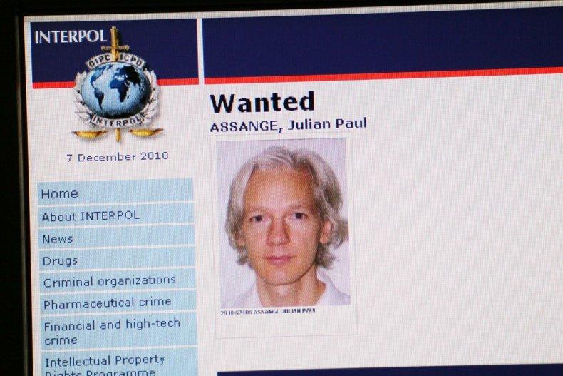 wikileaks-underhill-assange-hsmall