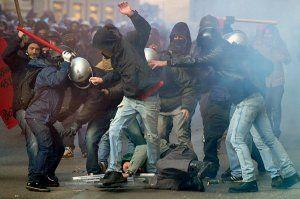 italy-riots-beating