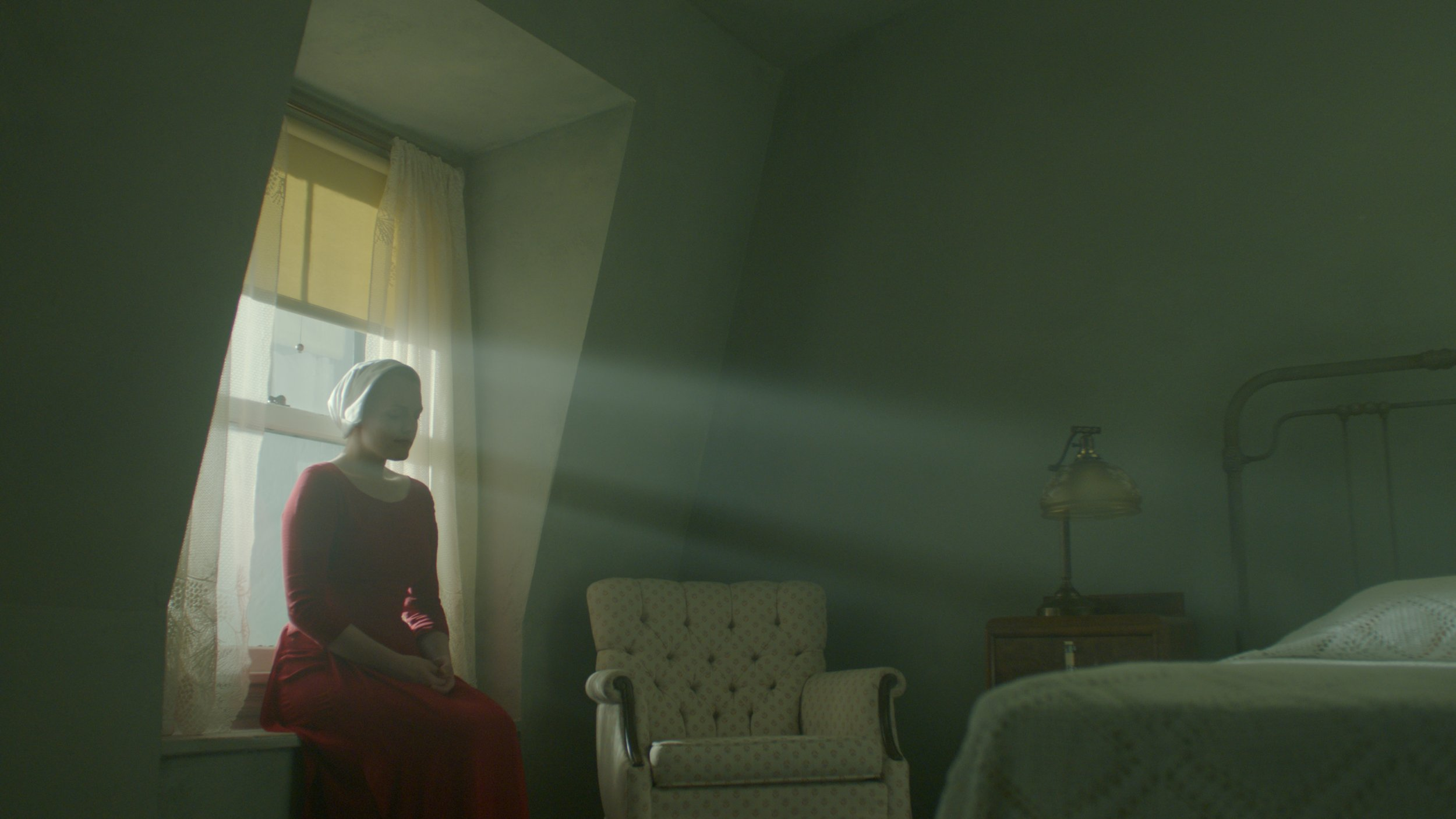 hulu releases first full trailer for the handmaid s tale