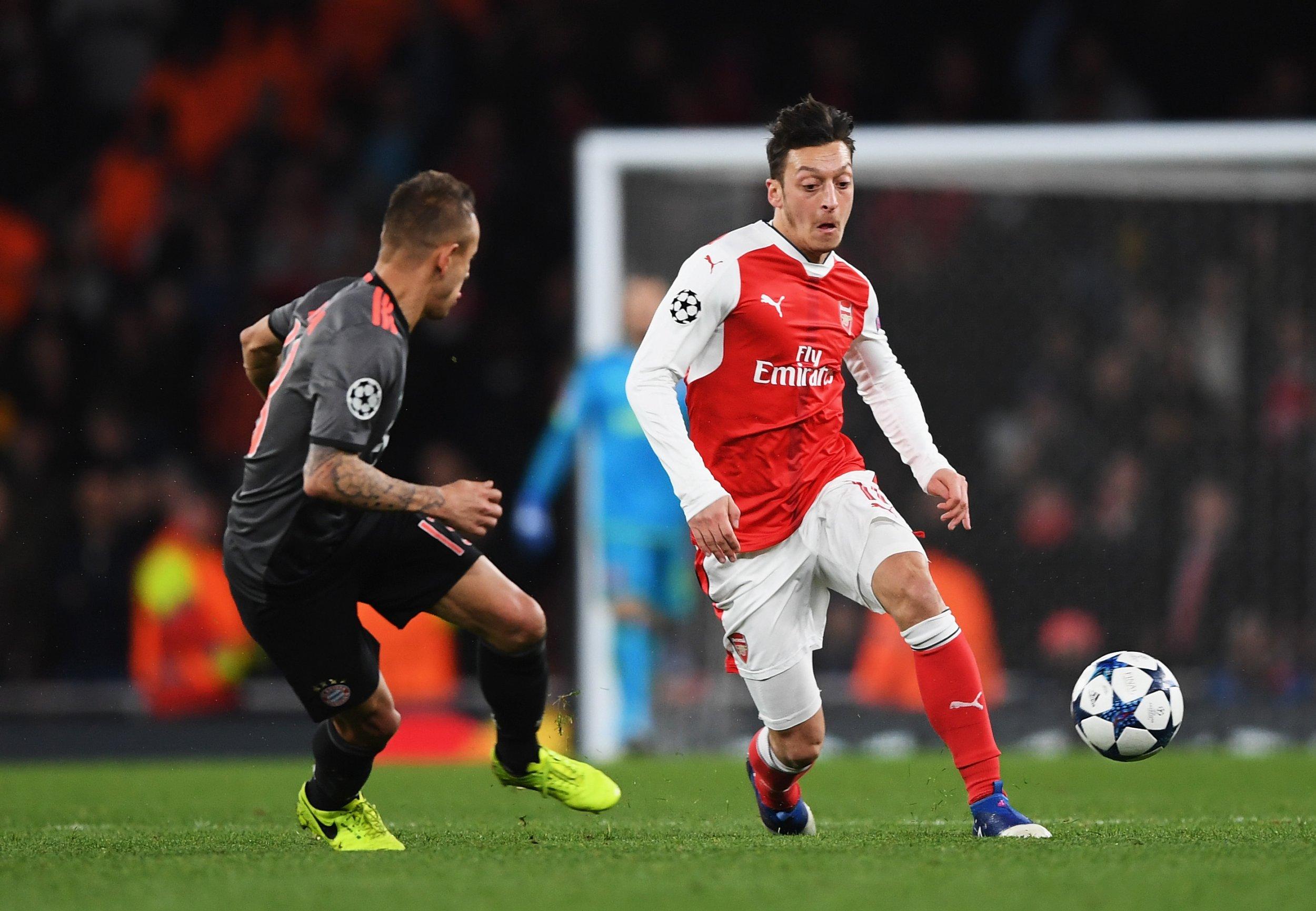 Mesut Ozil Will 'Make Decision Soon' Over Arsenal Future