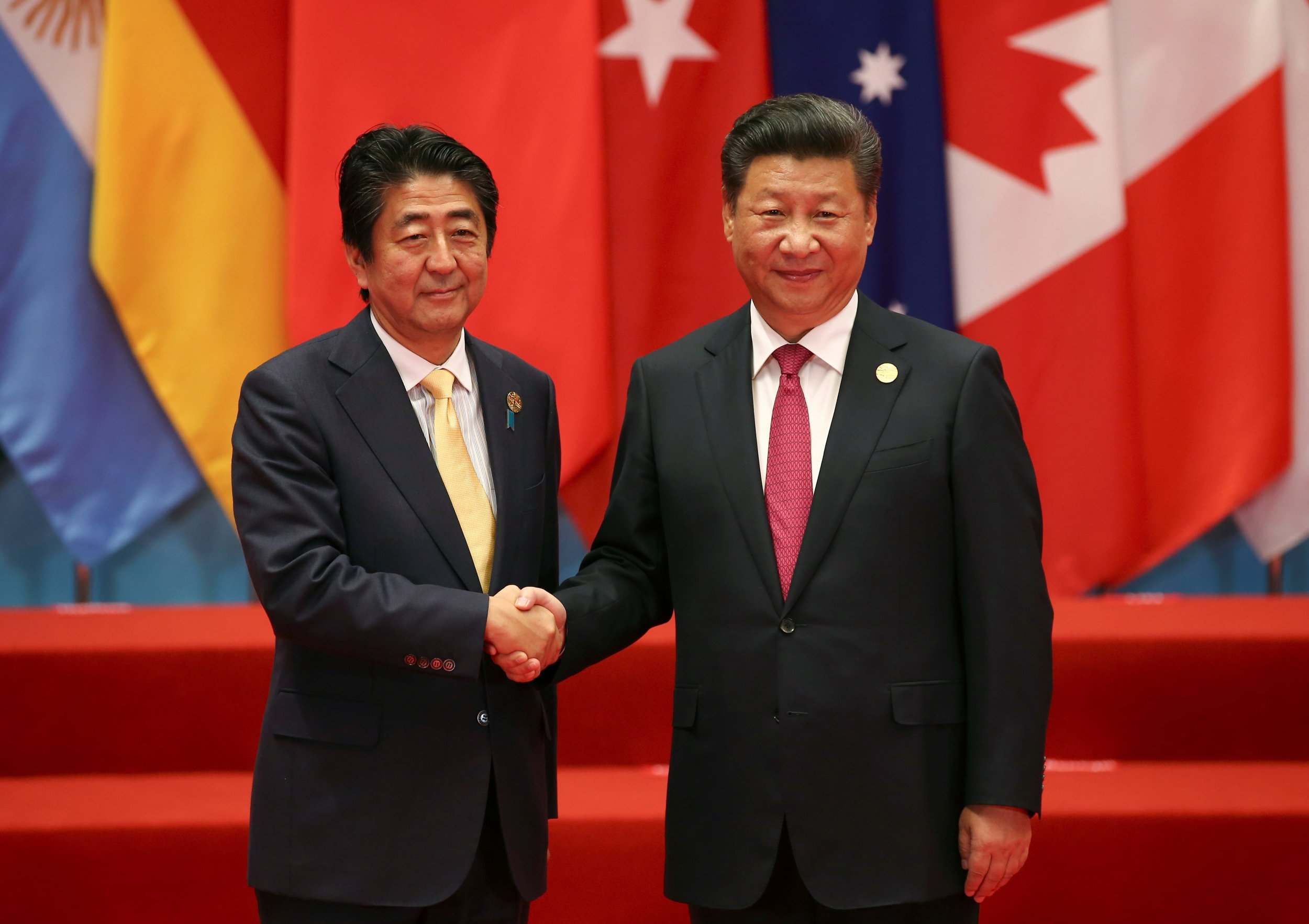 Xi Jinping and Shinzo Abe