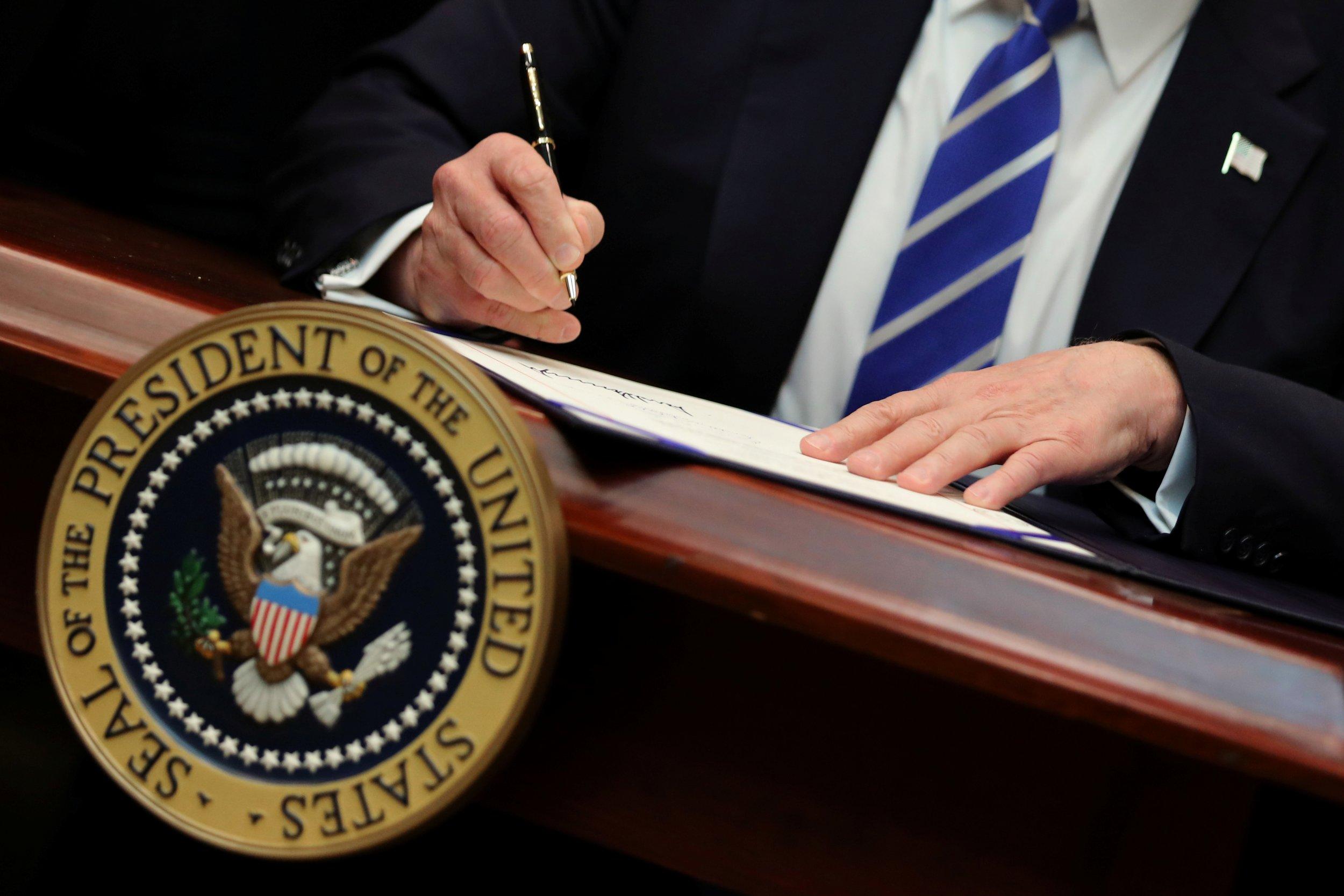 Donald Trump signs