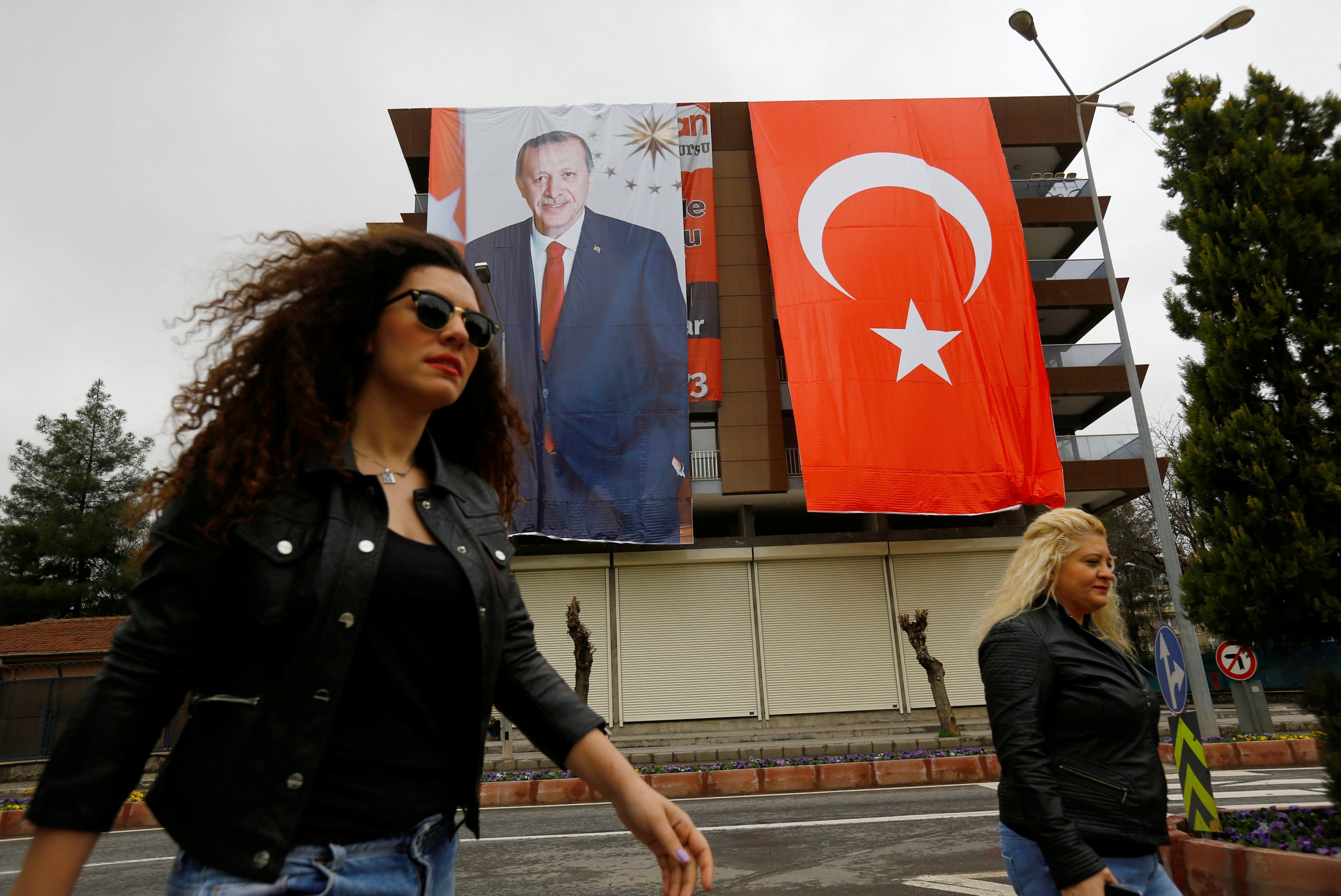 04_01_turkeykurds_01