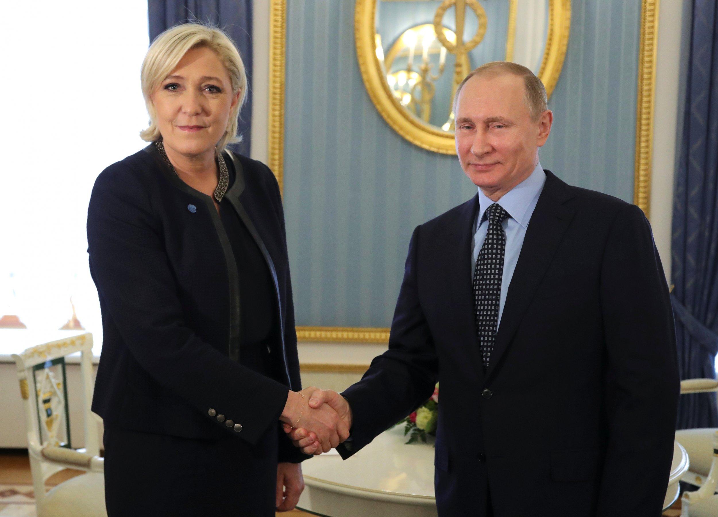 04_09_Putin_LePen_01