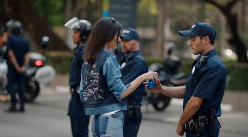 Kendall Jenner in Pepsi advert