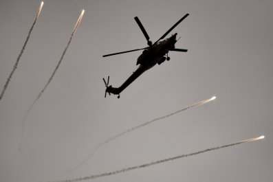 Iraqi helicopter over Mosul