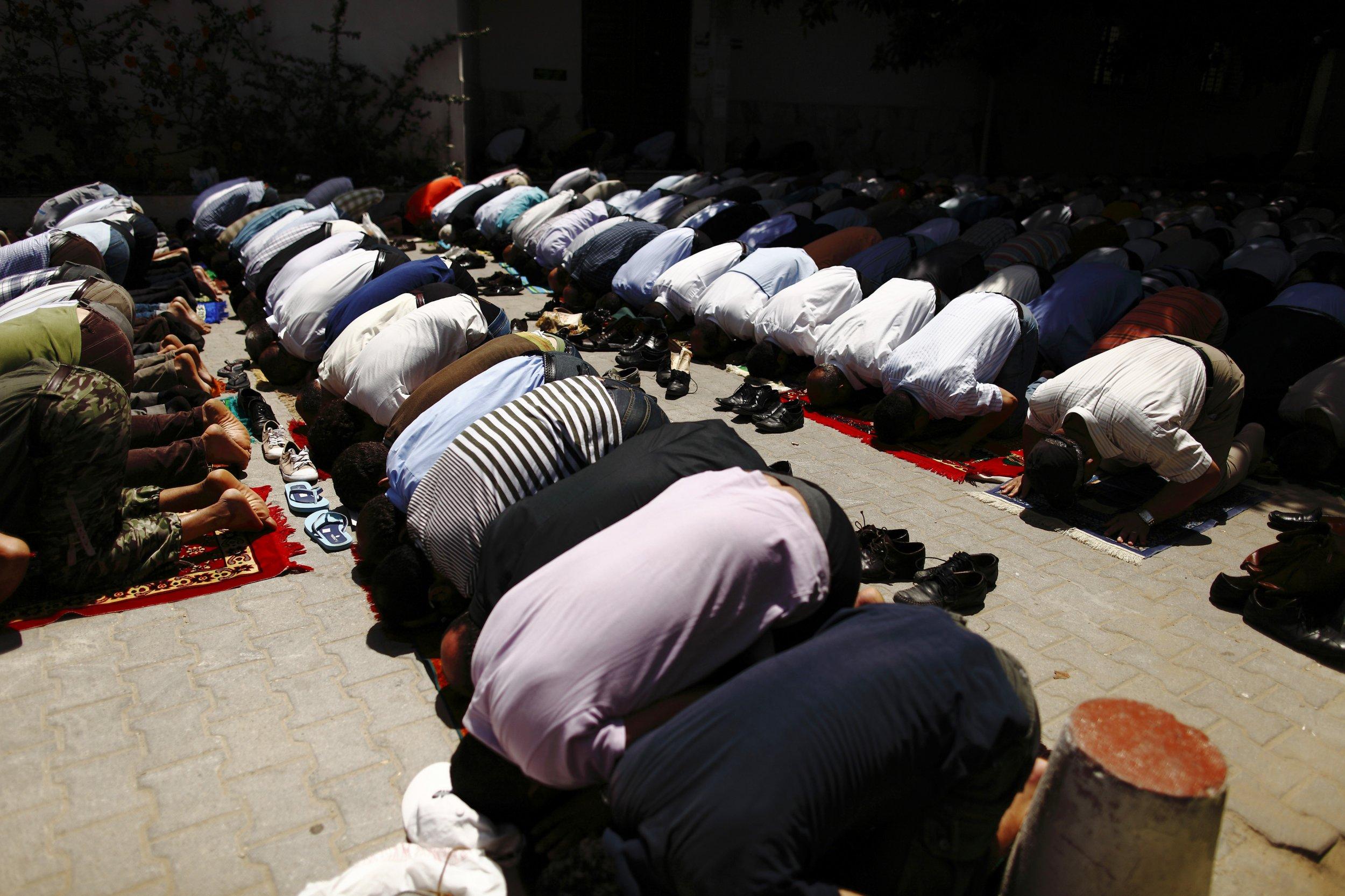 Tunisia prayer