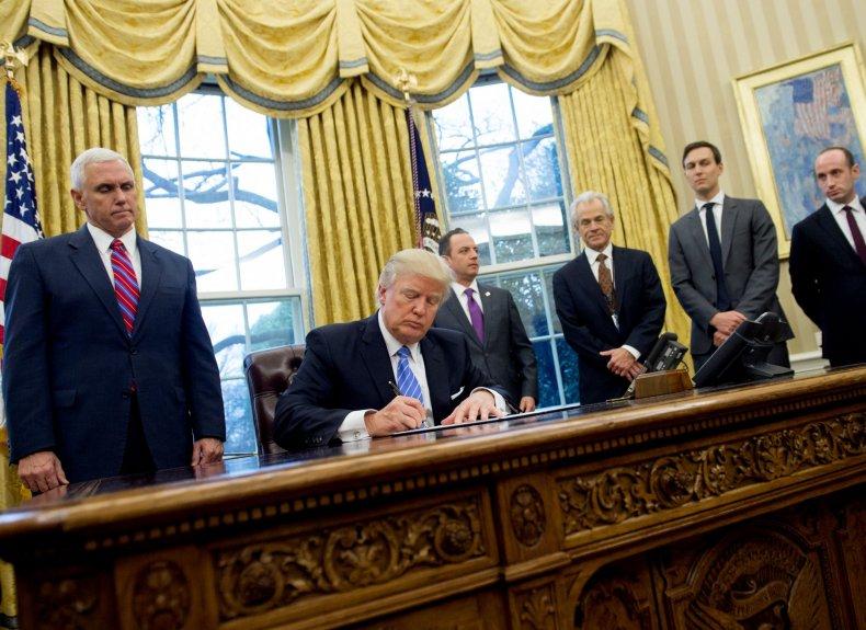 Donald Trump signs order