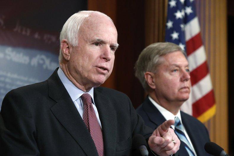 04_11_McCain_Graham_01