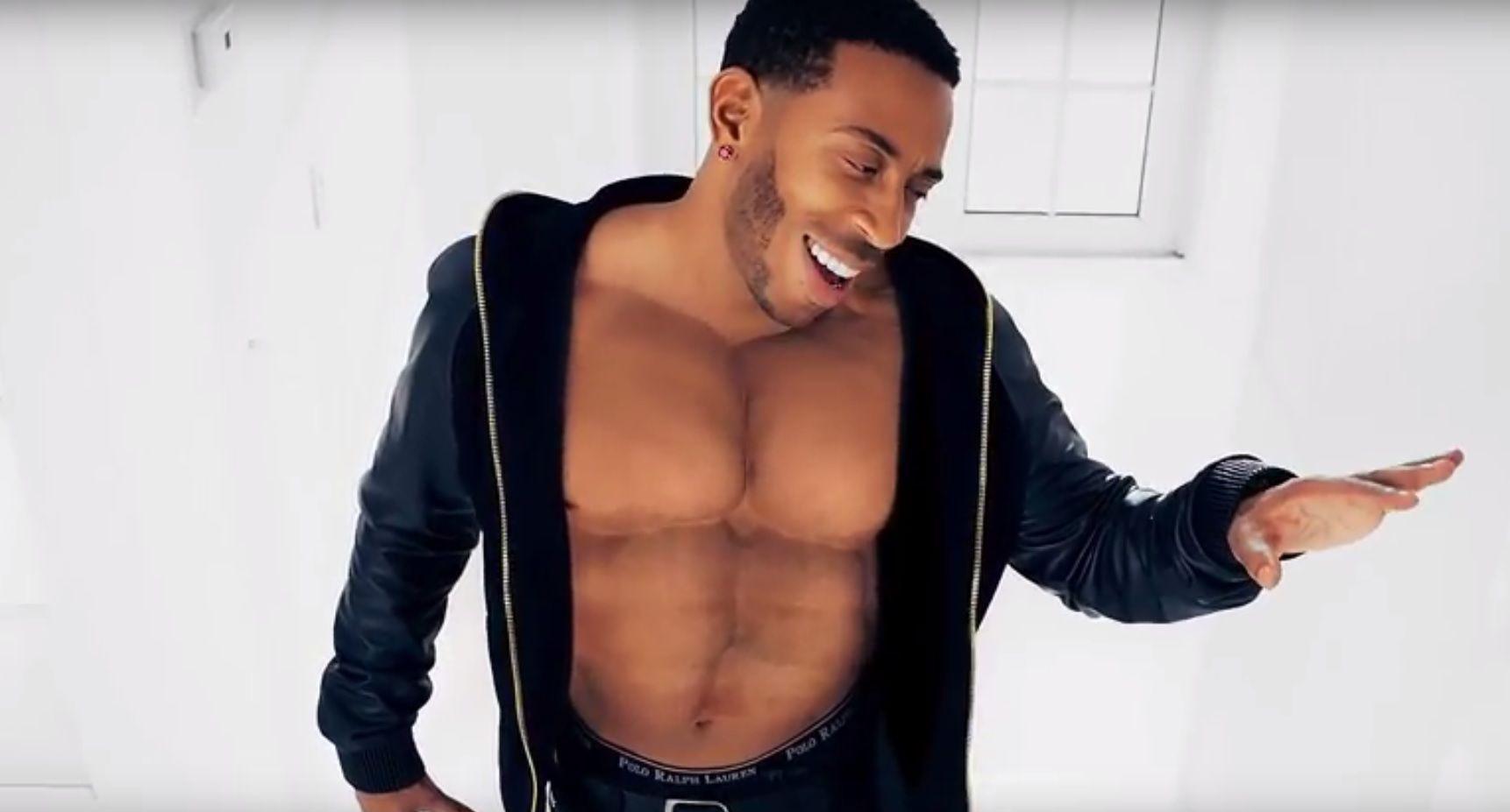Ludacris' fake abs