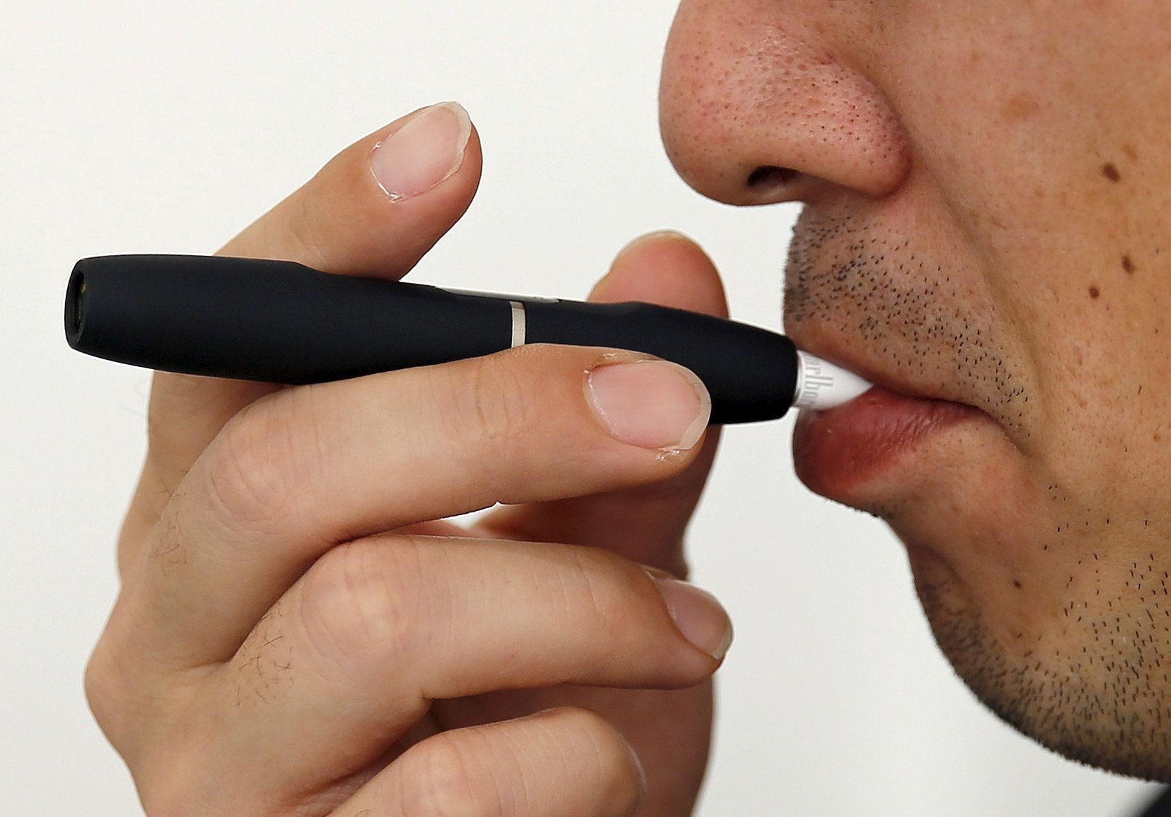 U S  Navy Bans E-Cigarettes After Multiple Sailors Suffer Serious
