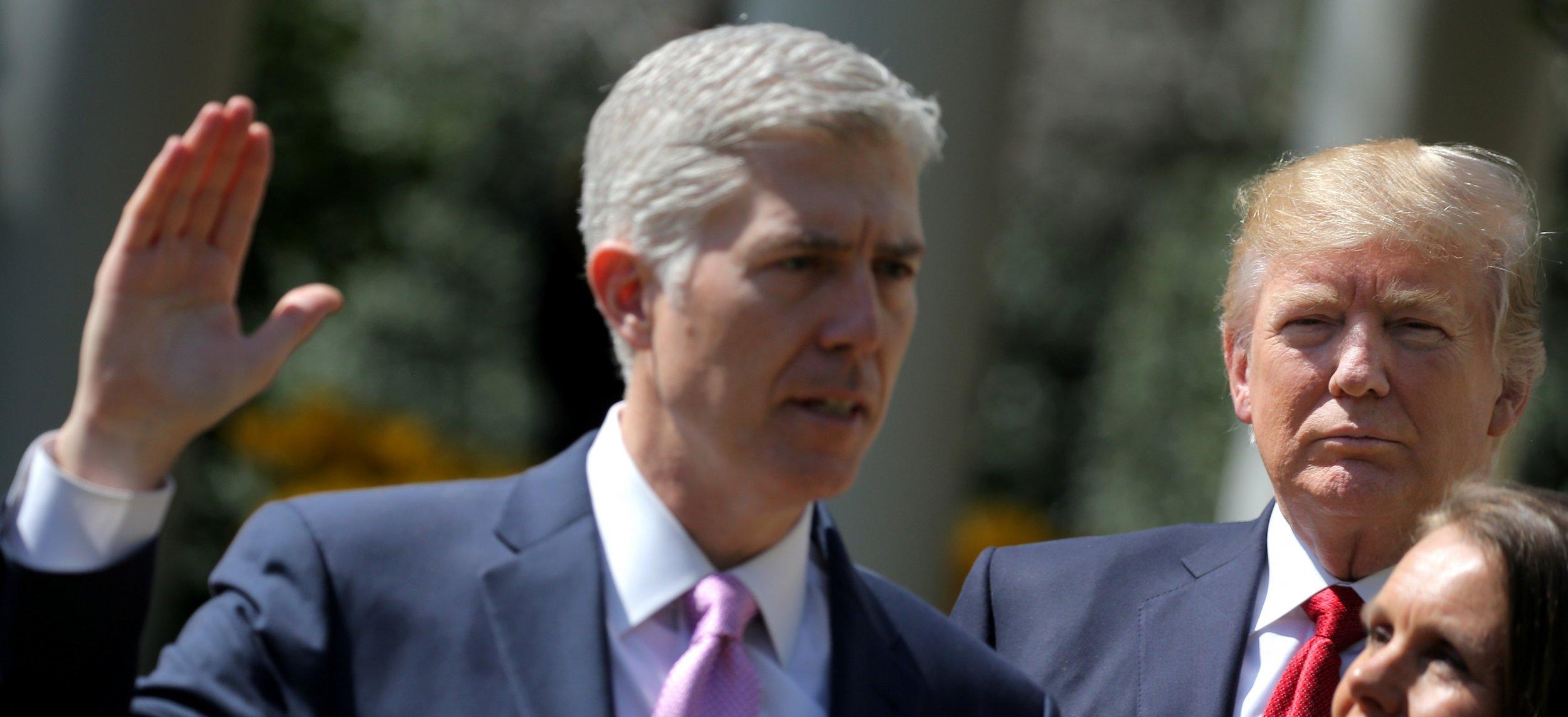 0414_Neil_Gorsuch_Supreme_Court_guns_case_01
