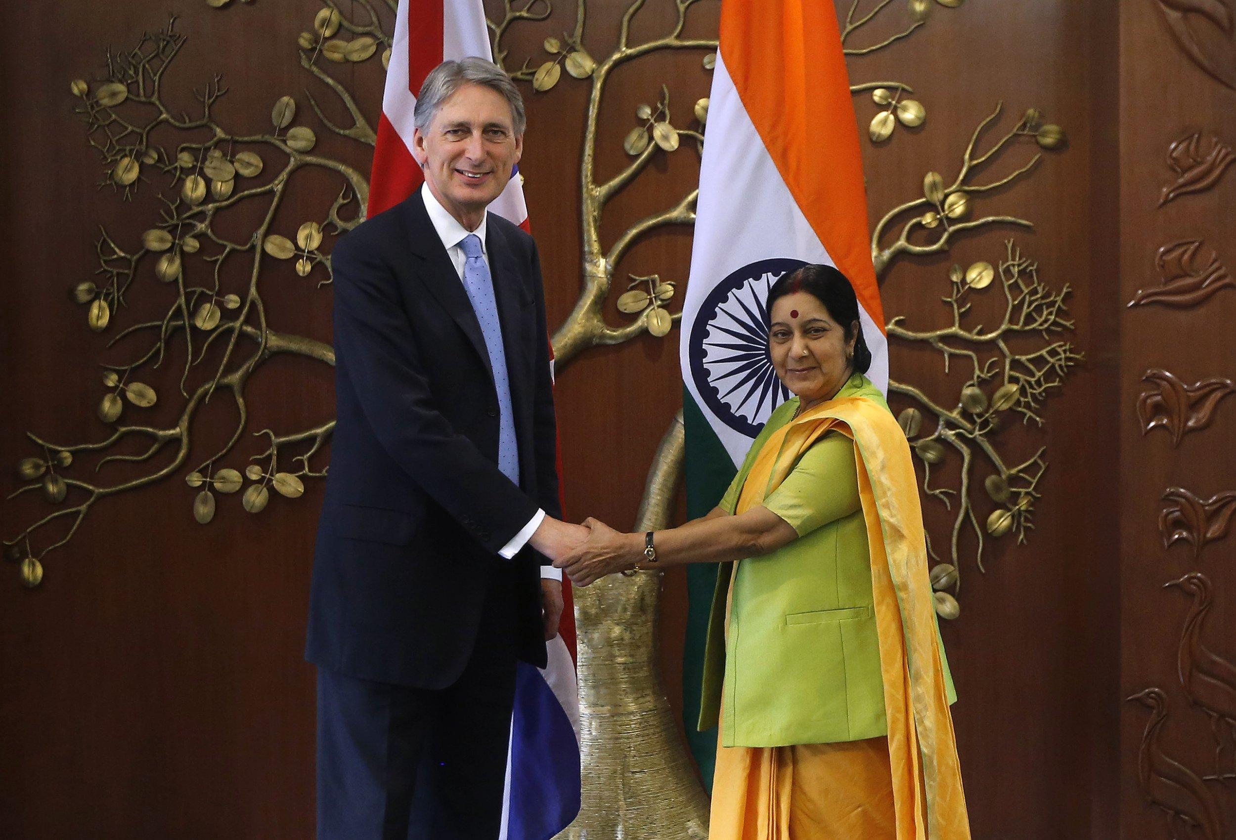 04_19_India_Britain_01