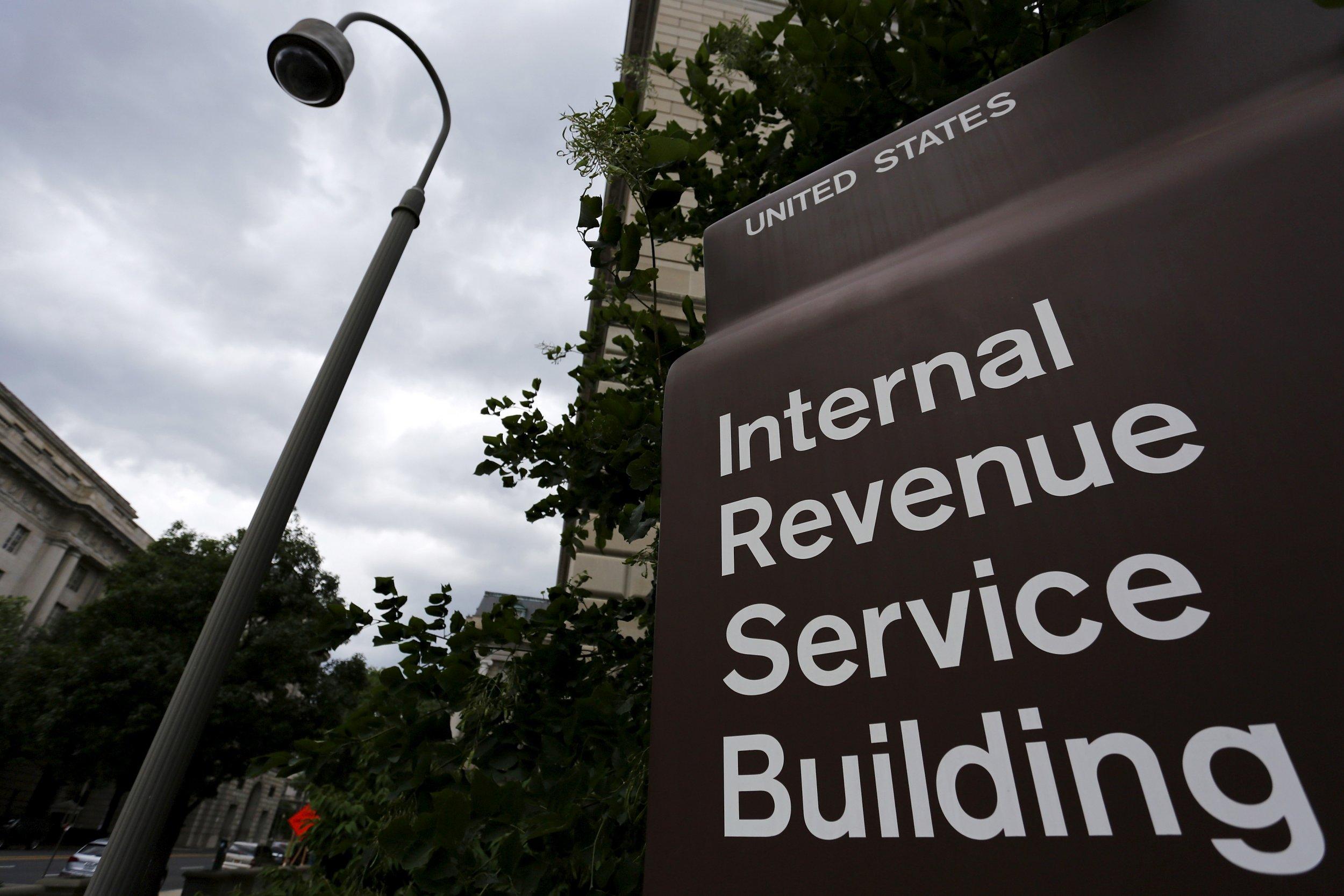 04_19_Trump_IRS_01
