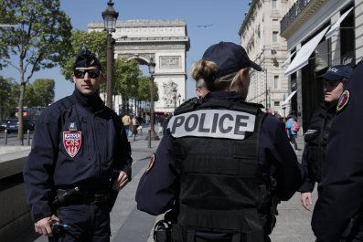 04_21_French_police_killed