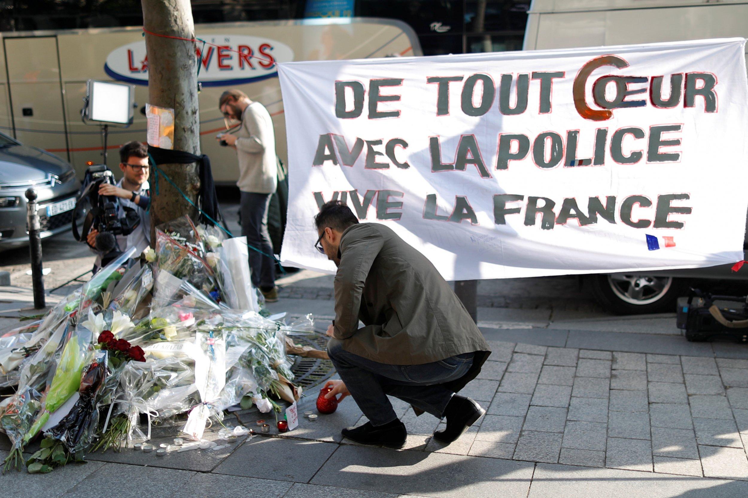 Memorial for the policeman shot on the Champs-Élysées
