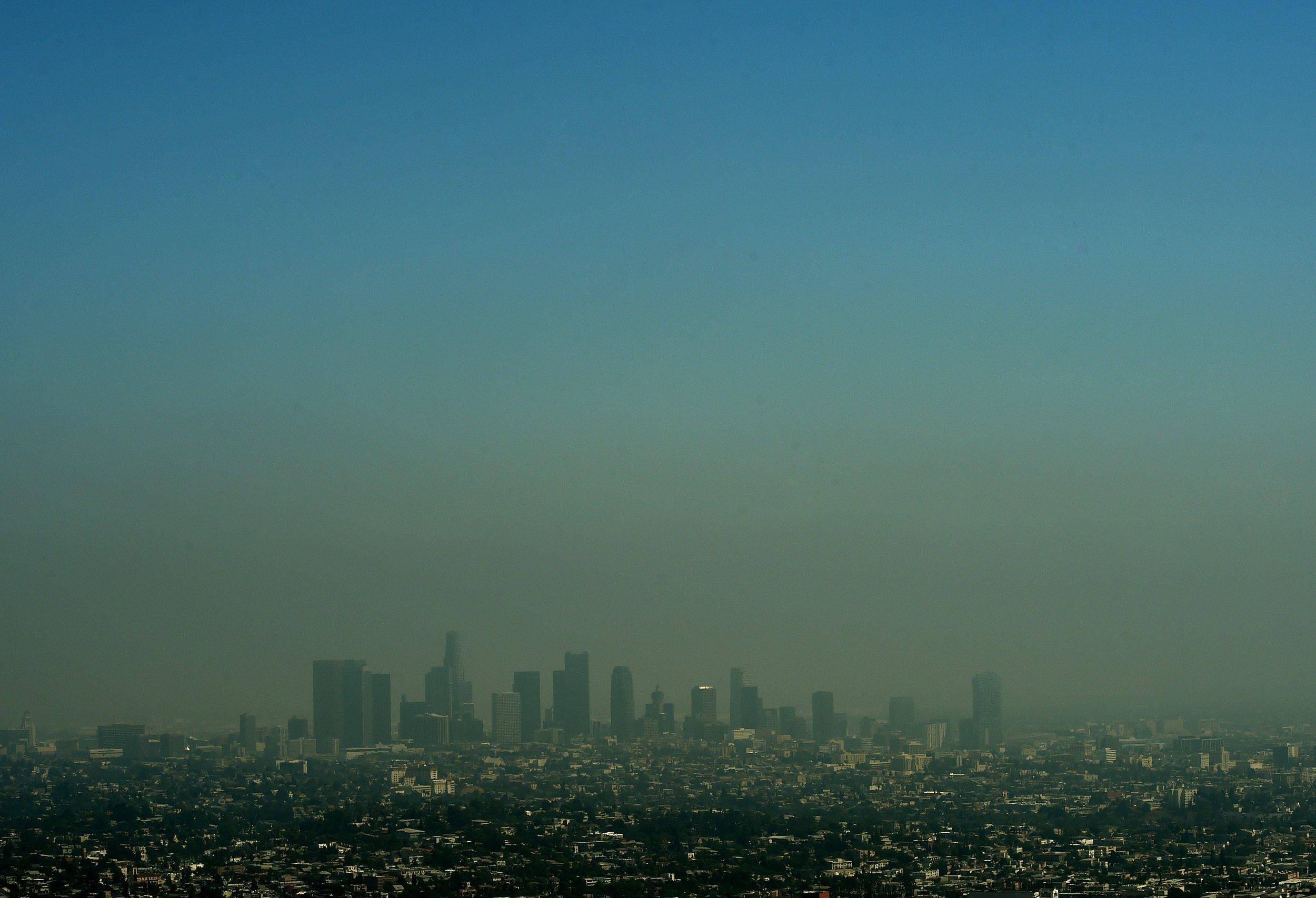 04_25_Smog_LA_01