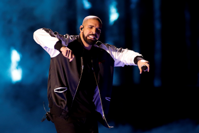 Drake, Kendrick Lamar and Wiz Khalifa thanked Airbnb for gifting them with house rentals during Coachella