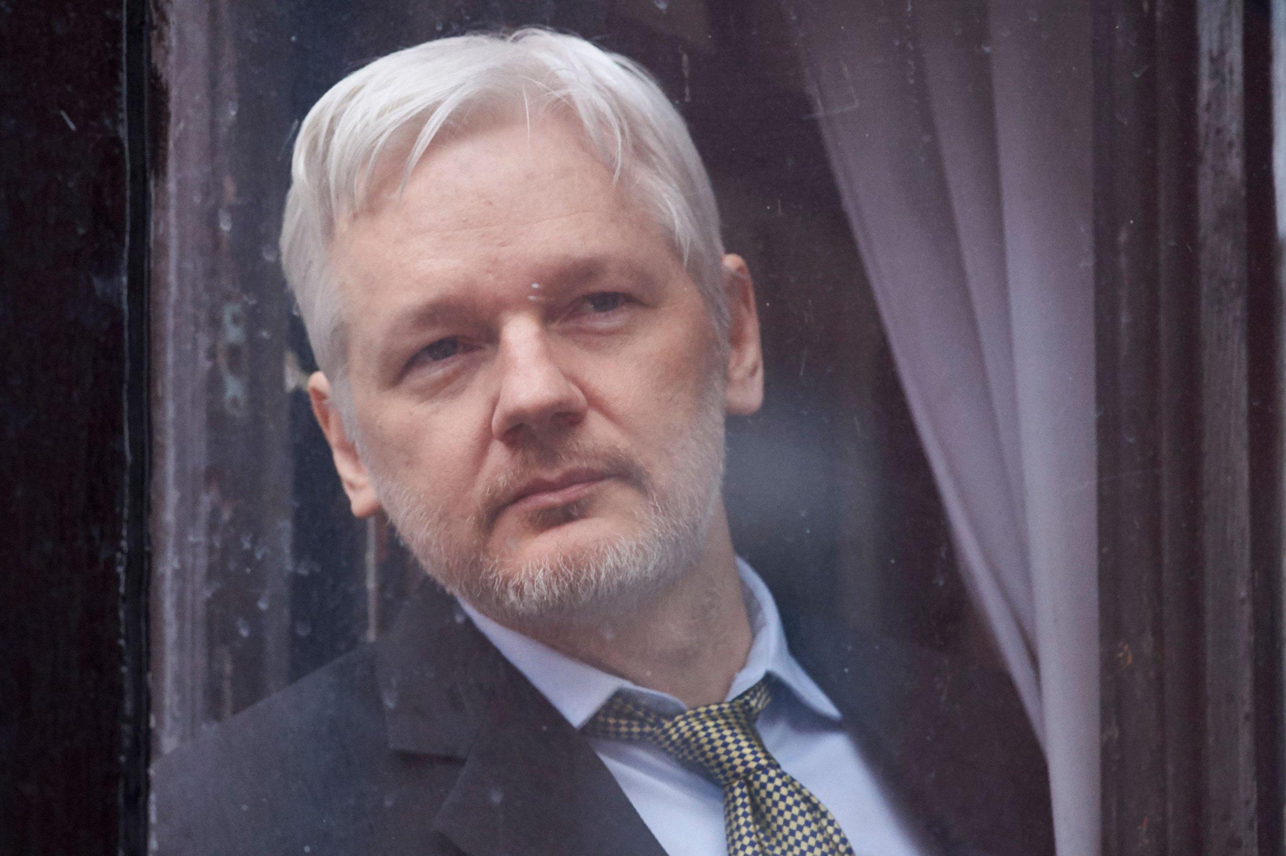 04_30_Assange_First_01