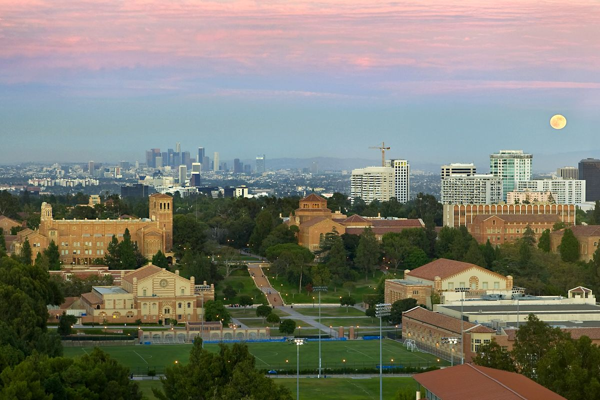 25 Great Schools With Great Weather