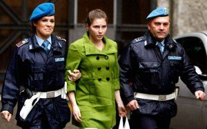 photos-the-tabloid-trial-of-foxy-knoxy