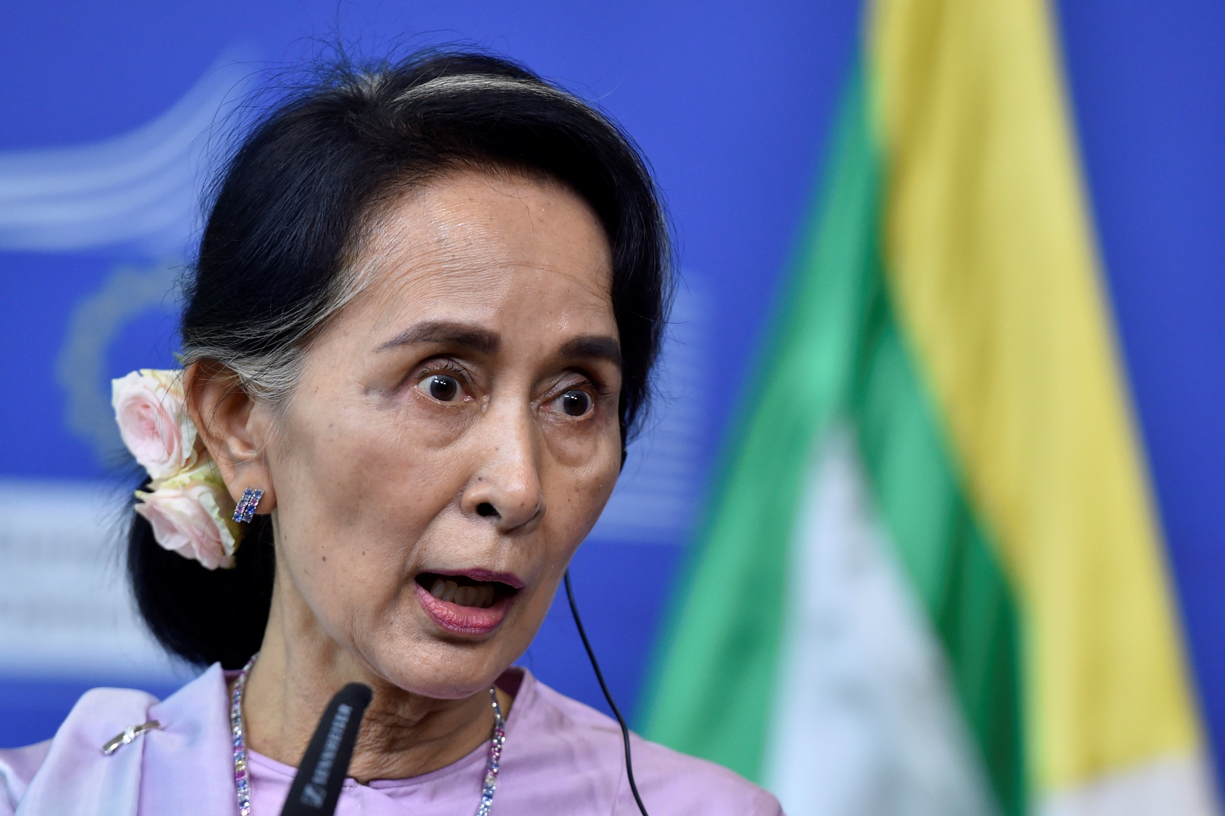 suu kyi rejects u n inquiry into rohingya abuse. Black Bedroom Furniture Sets. Home Design Ideas