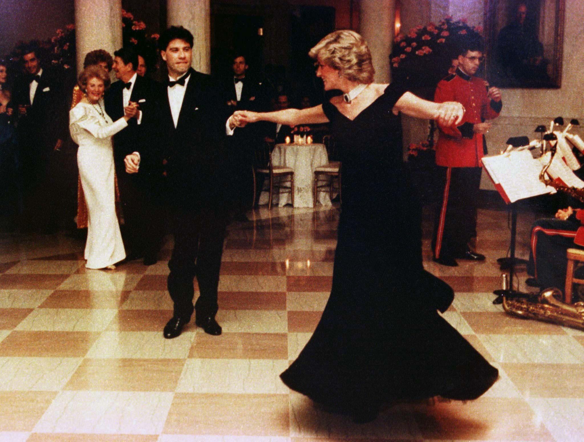Princess Diana Dances With John Travolta At A November 9 1985 White House Dinner Reuters