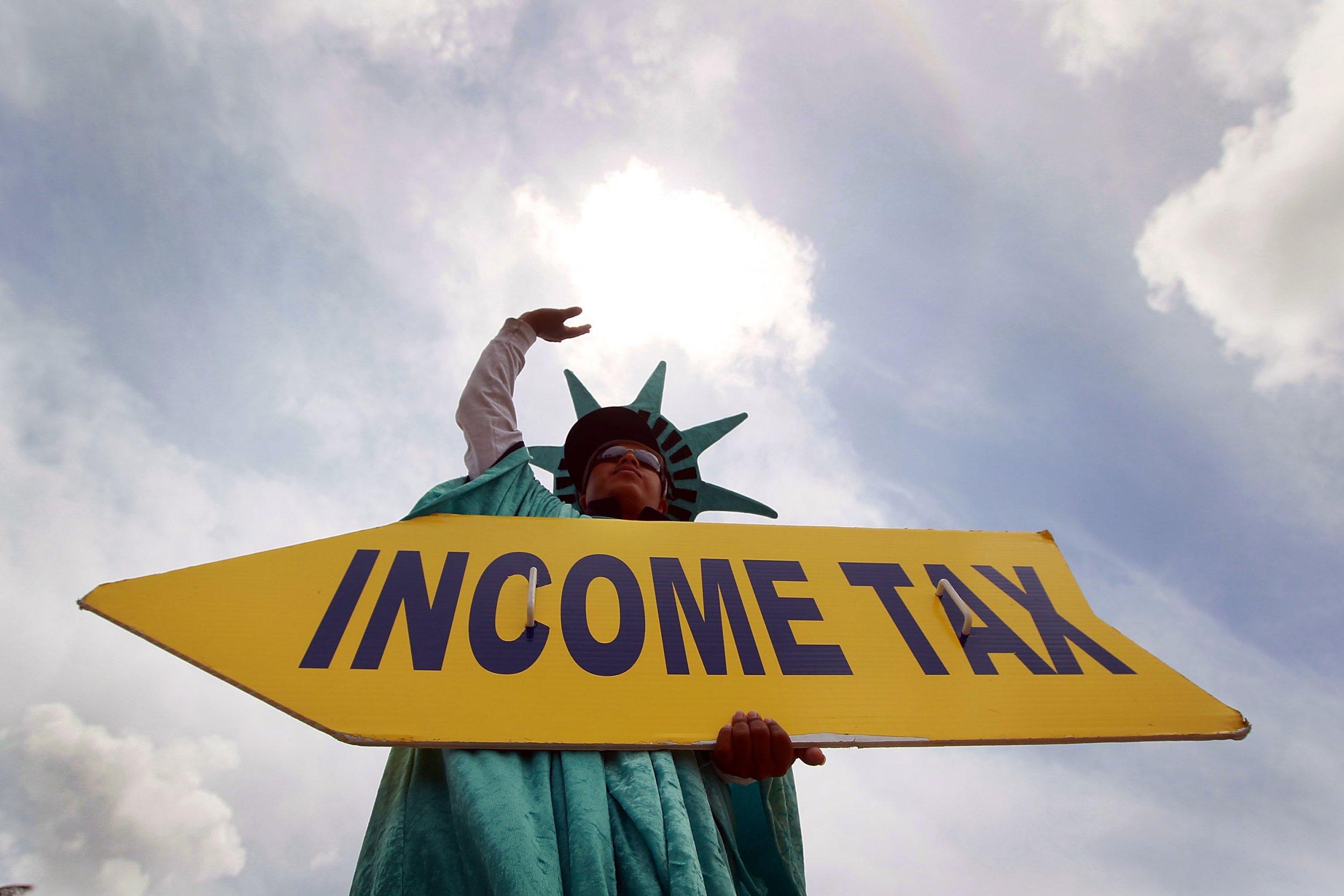 05_06_Richard_Trump_Tax_01