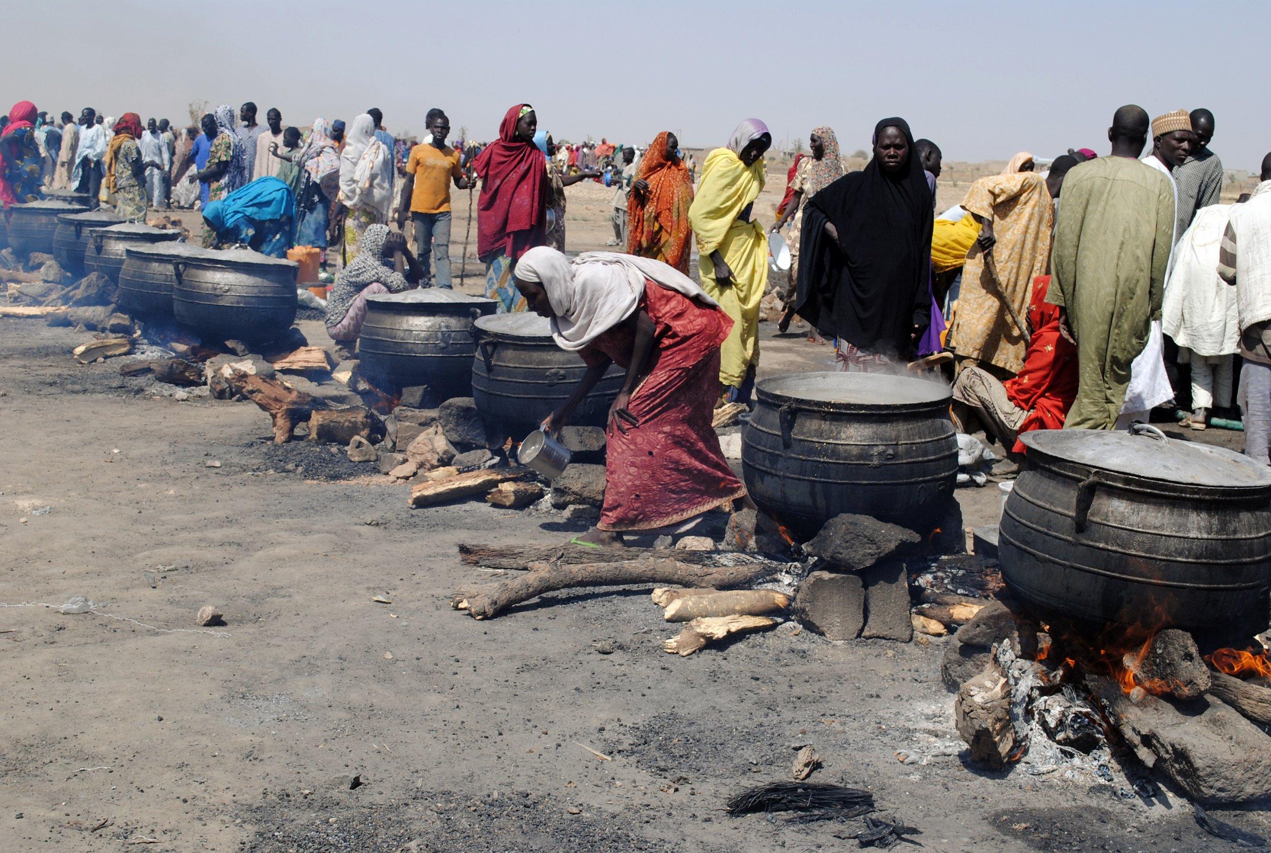 Nigeria IDPs cooking