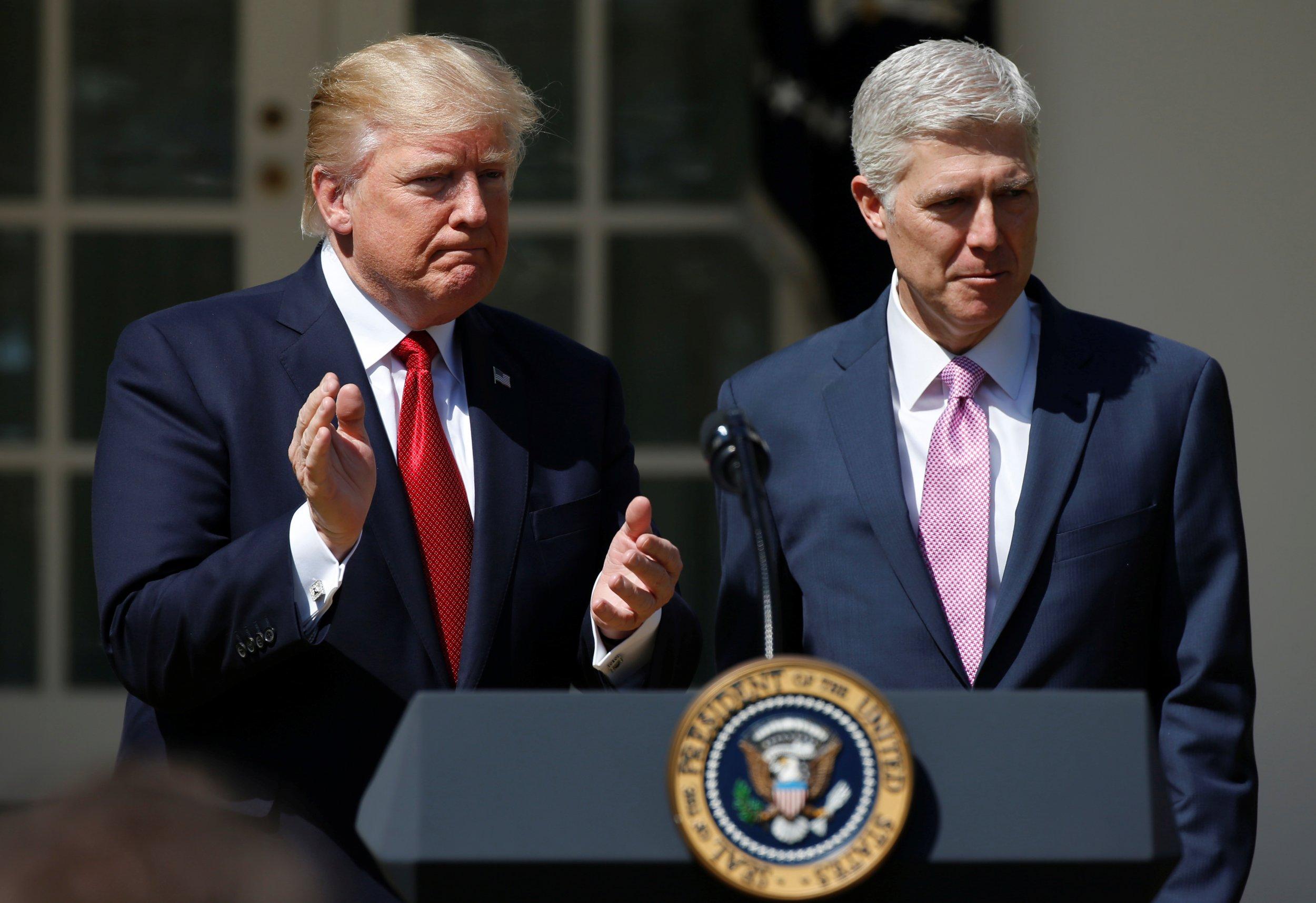 0508_Trump_federal_judges_01