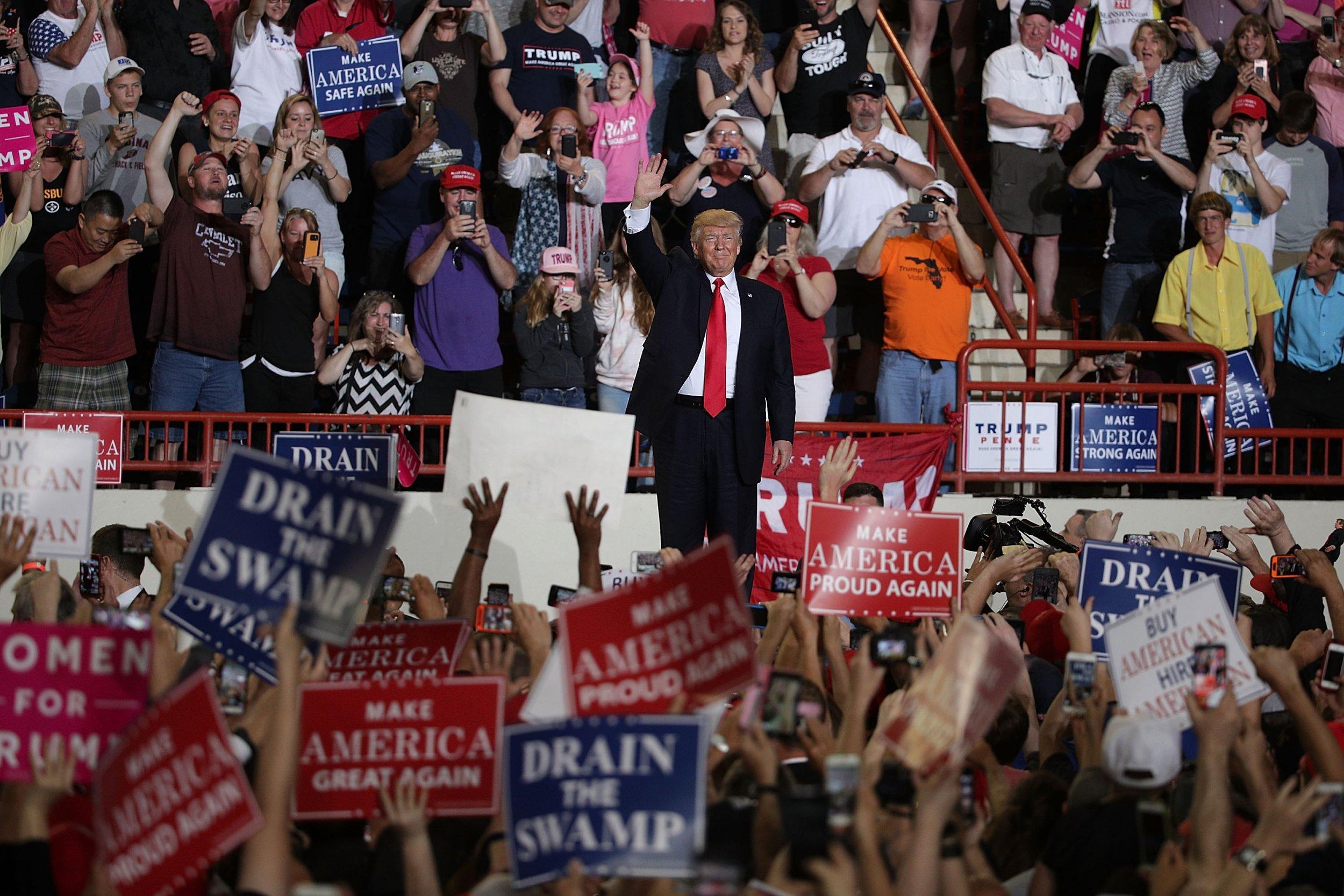 04_10_Trump_Lies_01